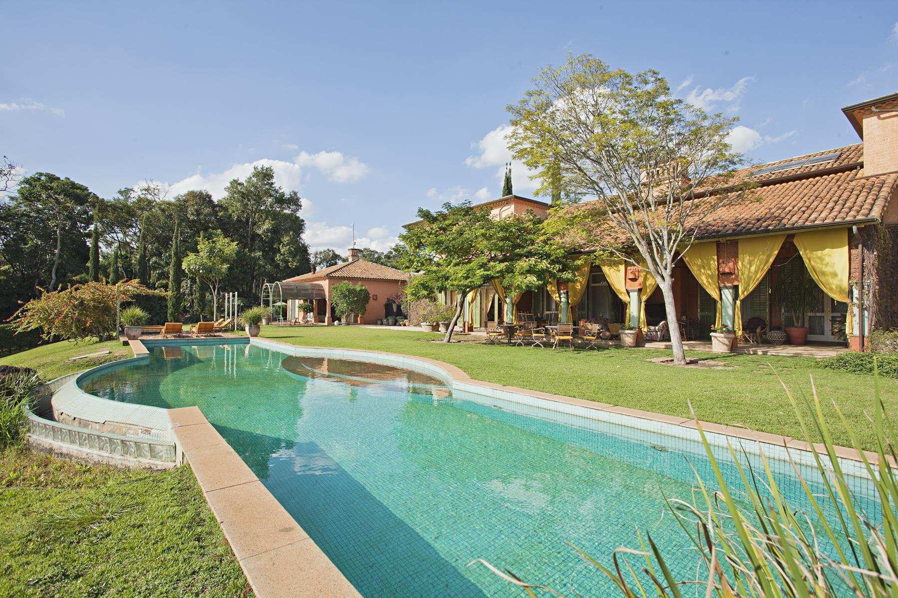 Single Family Home for Sale at House on top of hill with perfect space to enjoy and rest Indaiatuba, Sao Paulo Brazil