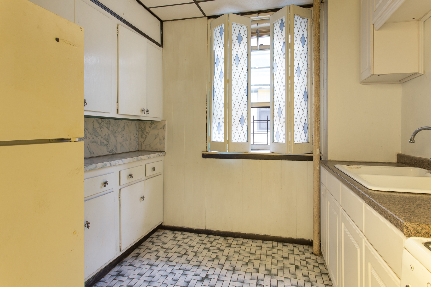 """Additional photo for property listing at """"ONE BEDROOM IN GREAT LOCATION"""" 4 Dartmouth Street, #510, Forest Hills Gardens, 森林山, 纽约州 11375 美国"""