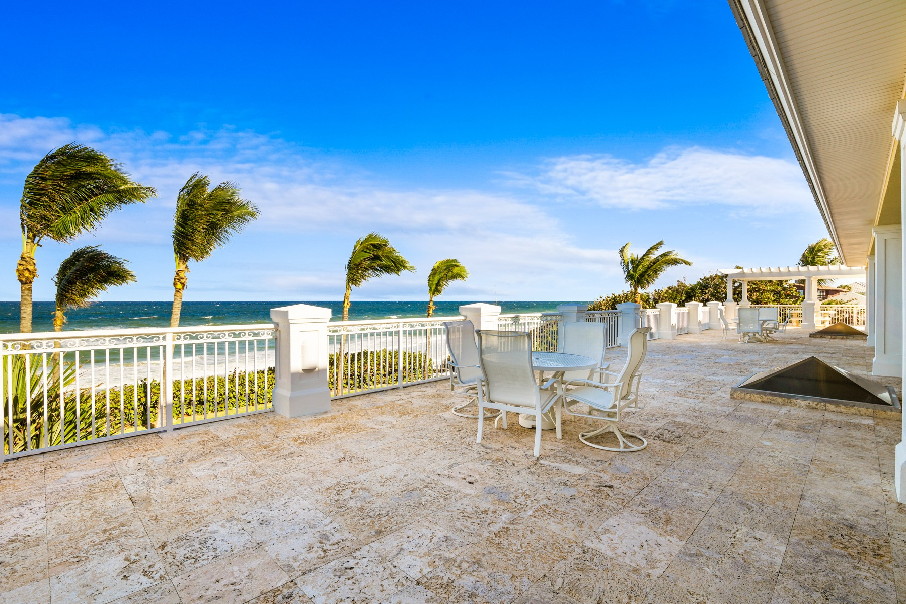 Additional photo for property listing at Gorgeous Tropically Landscaped Home with Endless Ocean Vistas 5045 S Highway A1A Melbourne Beach, Флорида 32951 Соединенные Штаты