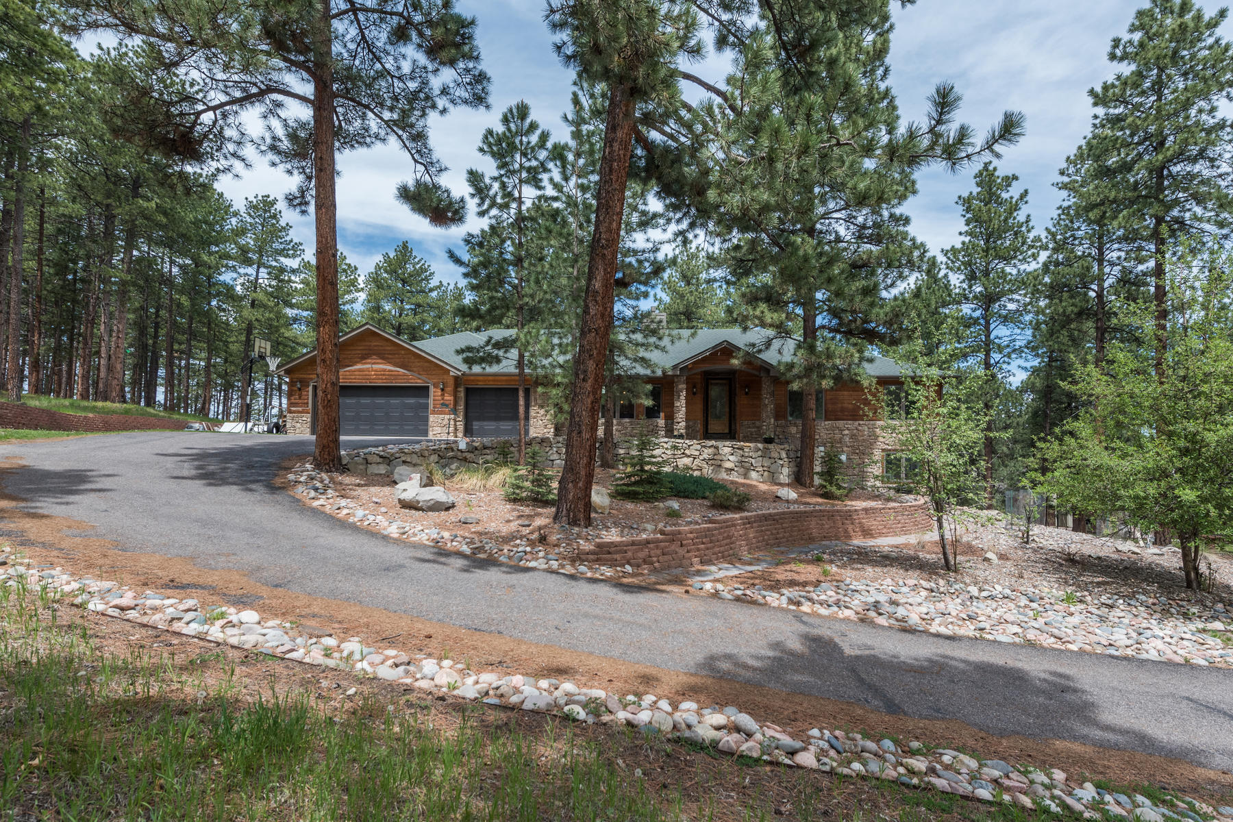 Single Family Home for Active at Tranquility in the Forest 7597 Molas Ct Larkspur, Colorado 80118 United States