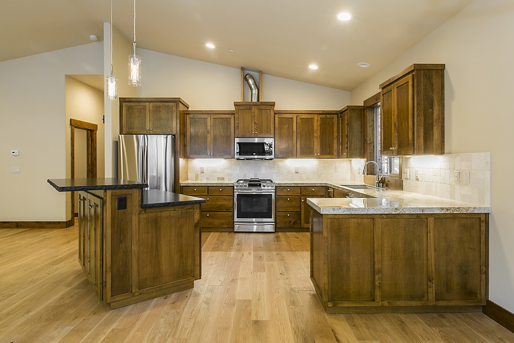 Additional photo for property listing at 11511 Sitzmark Way, Truckee, CA 11511 Sitzmark Way Truckee, California 96161 United States