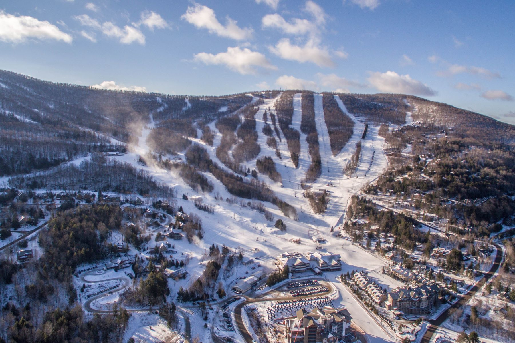 Land for Active at Windham Mountain Ski-In Ski-Out Upper Wipeout 247 Club Road , Lot 79 Windham, New York 12496 United States