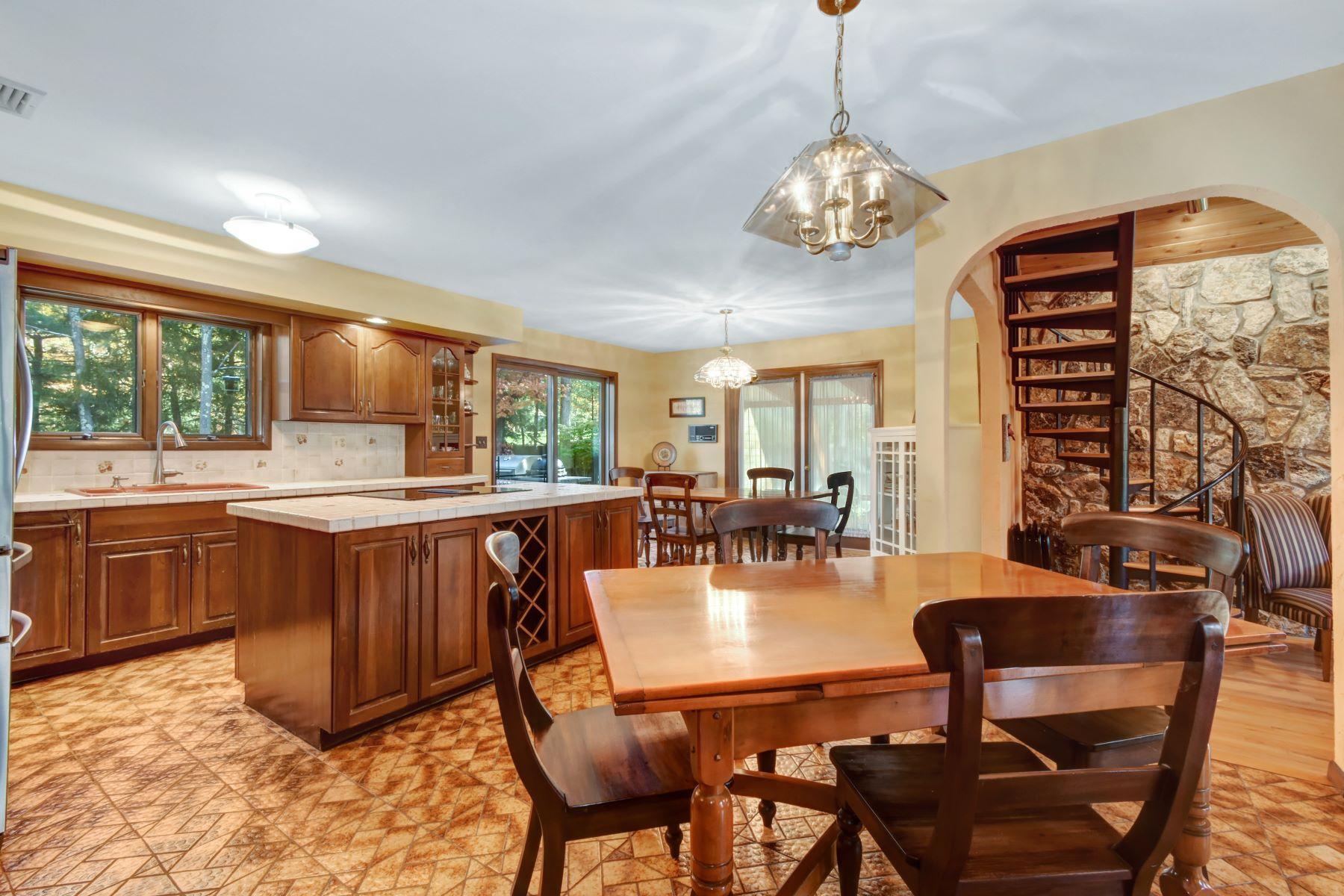 Additional photo for property listing at Custom Chalet 4 Sheffinks Landing, Roxbury Township, New Jersey 07836 Hoa Kỳ