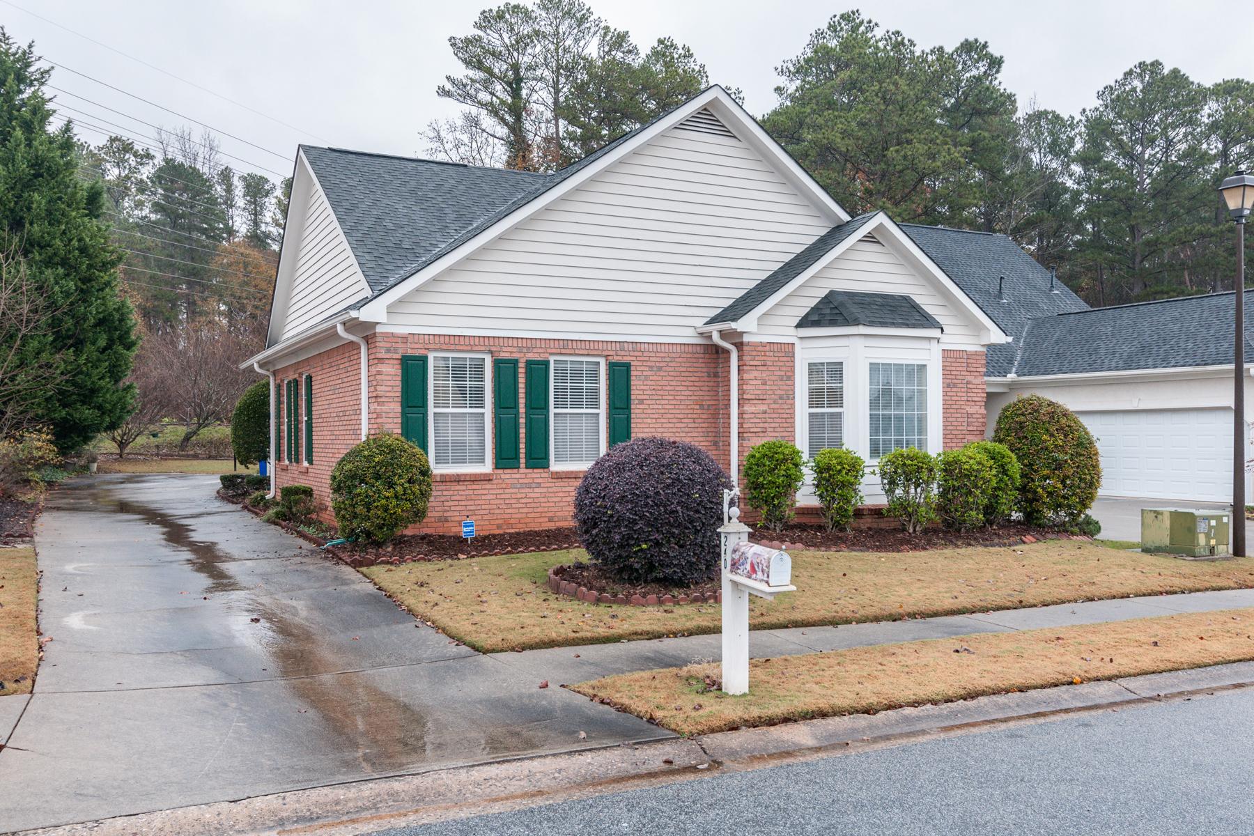Maison unifamiliale pour l à vendre à Ranch In Popular Woodgate 240 Woodgate Cir, Fayetteville, Georgia, 30214 États-Unis