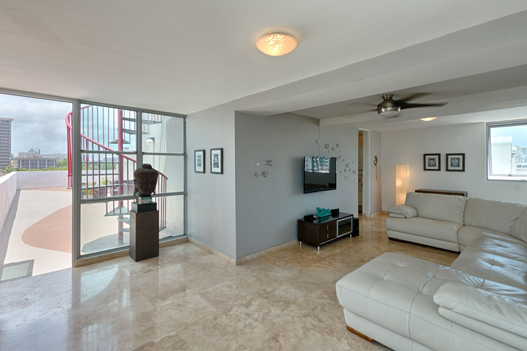 Additional photo for property listing at Costa Condado Penthouse 1420 Wilson Street Apt. 801 San Juan, Puerto Rico 00907 Puerto Rico