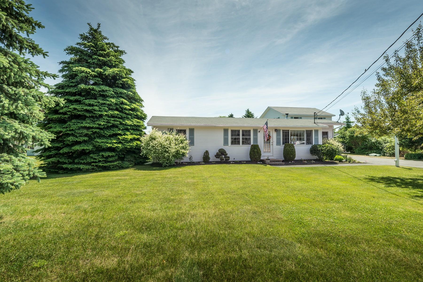 Maison unifamiliale pour l Vente à Newly Updated Ranch by Moody Beach 56 Gendron Drive Wells, Maine 04090 États-Unis