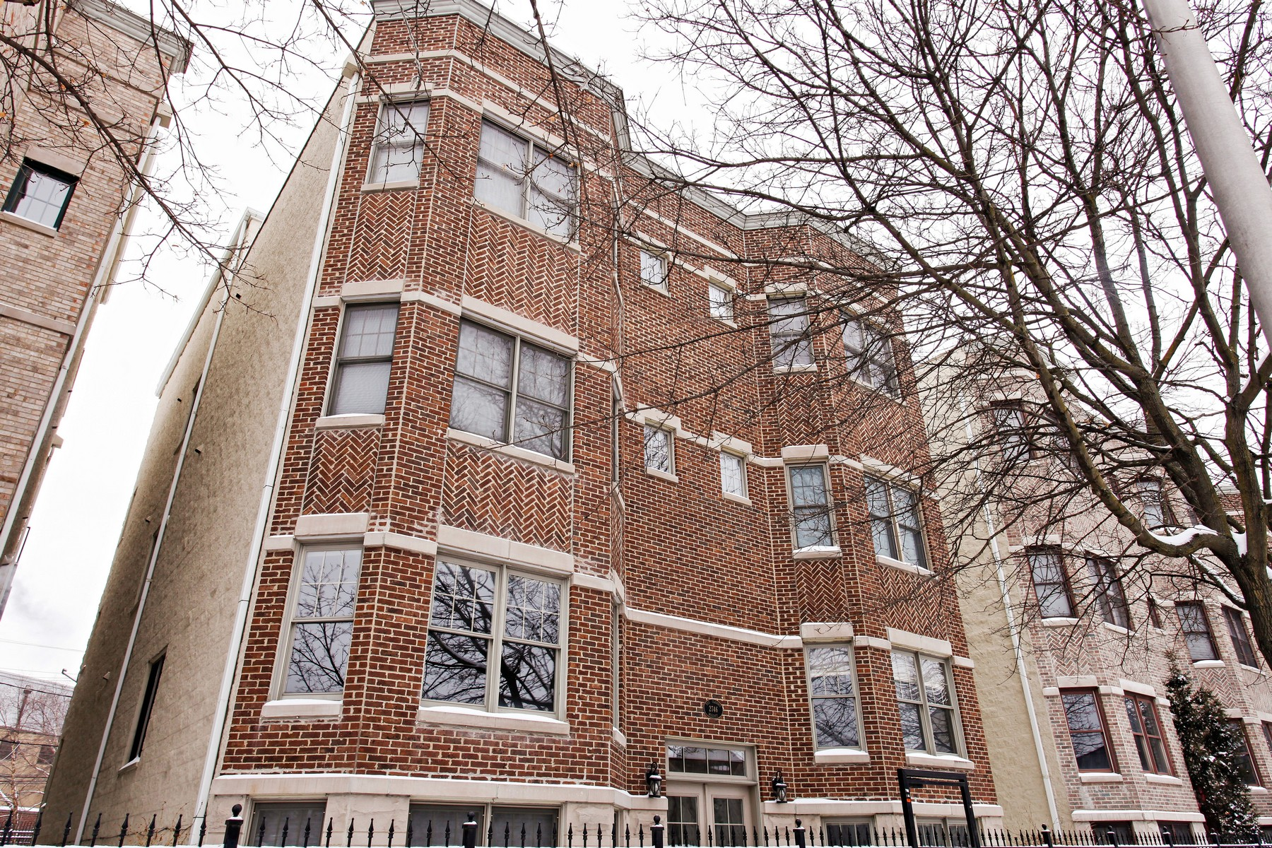 Duplex for Sale at Fabulous and Spacious Lincoln Park Three Bedroom Duplex 2746 N Wolcott Avenue Unit 1N, Lincoln Park, Chicago, Illinois, 60614 United States