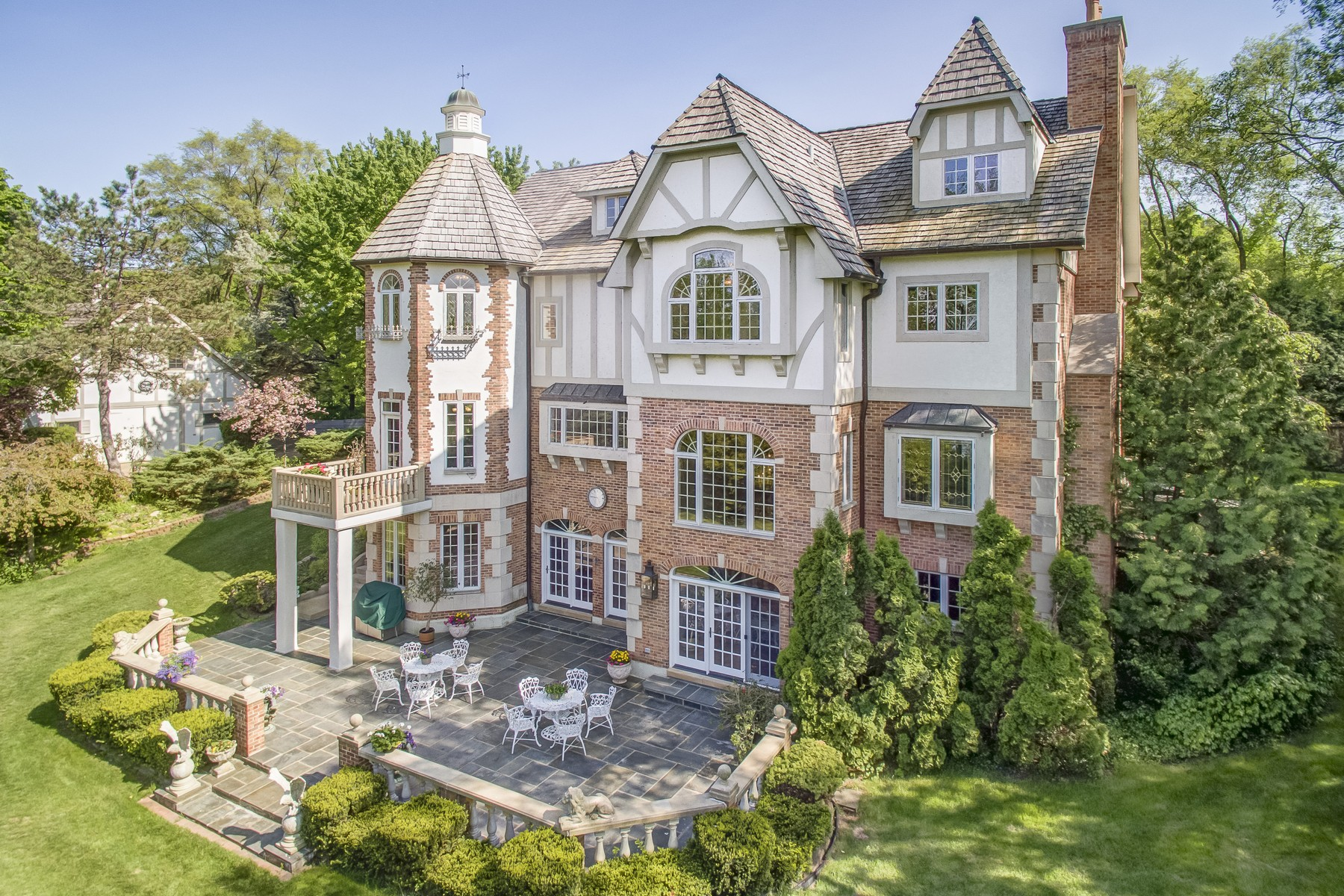 Villa per Vendita alle ore Bridlegate Estate 702 Bay Road McHenry, Illinois, 60051 Stati Uniti
