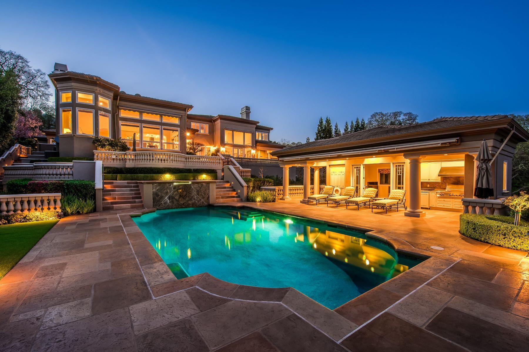 Single Family Homes para Venda às Timeless Westside Alamo Estate 2158 Las Trampas, Alamo, Califórnia 94507 Estados Unidos