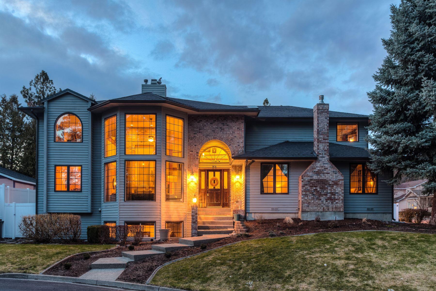 Maison unifamiliale pour l Vente à 516 S Shore Pines Rd Post Falls, Idaho, 83854 États-Unis