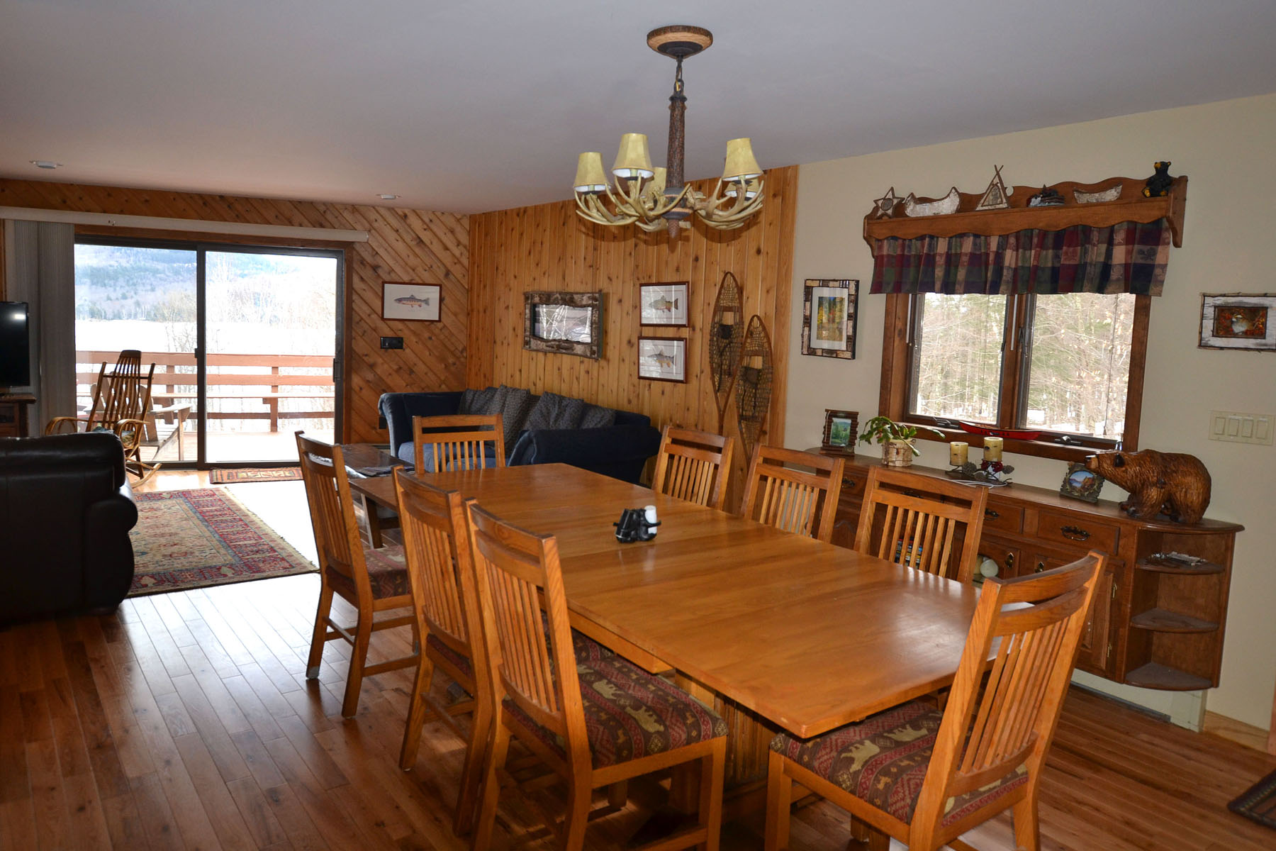 Additional photo for property listing at Indian Lake Chalet 5438 NYS Route 30 Indian Lake, Nueva York 12842 Estados Unidos
