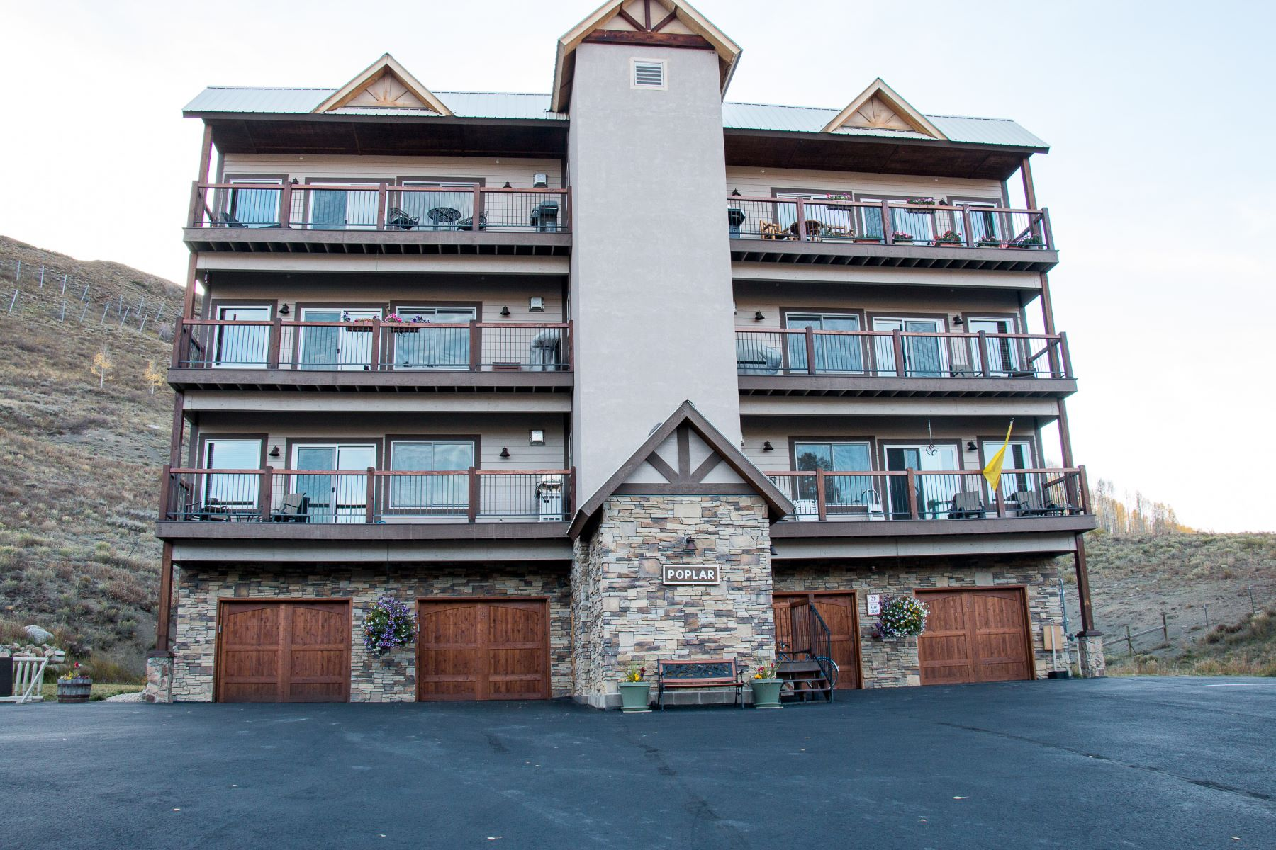 Condominio por un Venta en Outrun Ski Condo 721 Gothic Road #5 Mount Crested Butte, Colorado 81225 Estados Unidos
