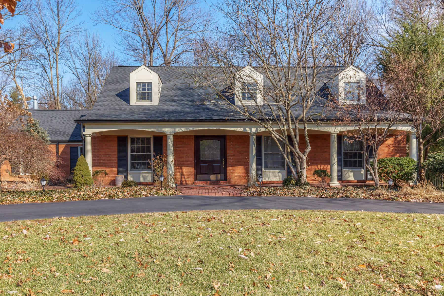 Casa para uma família para Venda às Watch Hill Road 3 Watch Hill Road Ladue, Missouri, 63124 Estados Unidos
