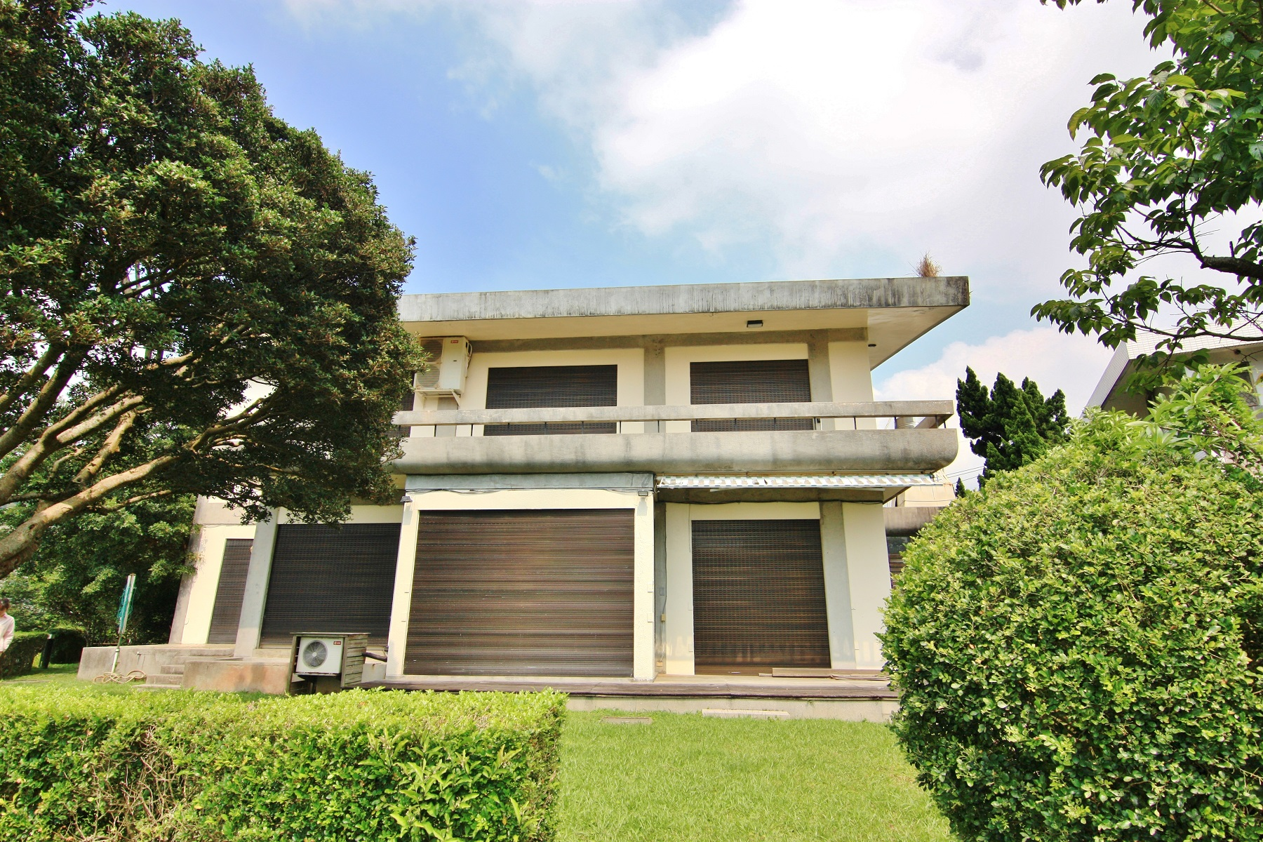 Single Family Homes for Sale at Yangming Bungalow Yonggong Rd., Shilin Dist. Taipei City, Taiwan 111 Taiwan