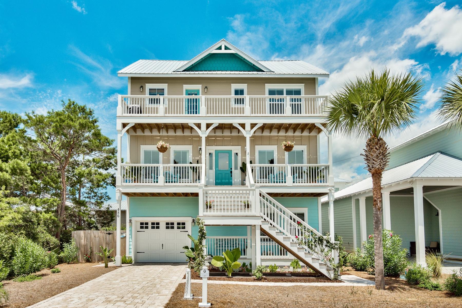 Casa para uma família para Venda às THREE STORY COASTAL RETREAT IN GATED COMMUNITY 486 Paradise Boulevard Panama City Beach, Florida, 32413 Estados Unidos