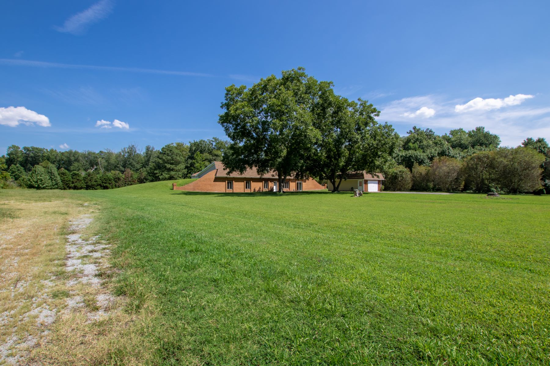 Additional photo for property listing at DEERFIELD 5016 Shoulders Hill Road, Suffolk, Virginia 23435 Estados Unidos