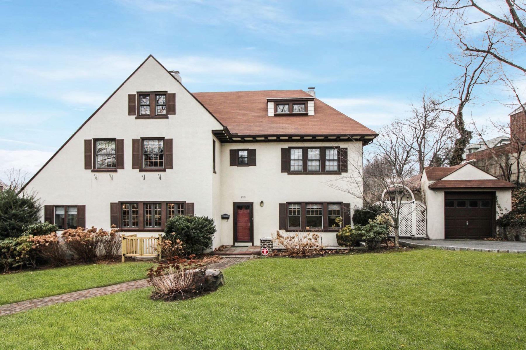 Частный односемейный дом для того Продажа на 155 Secor1 155 Secor Lane, Pelham, Нью-Йорк, 10803 Соединенные Штаты
