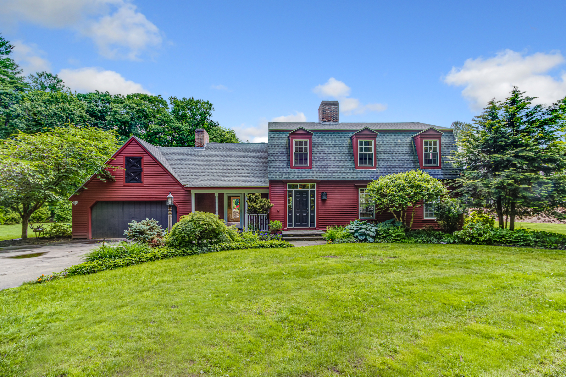 Single Family Homes for Active at Lovely Gambrel Colonial 172-A Howard Street Northborough, Massachusetts 01532 United States