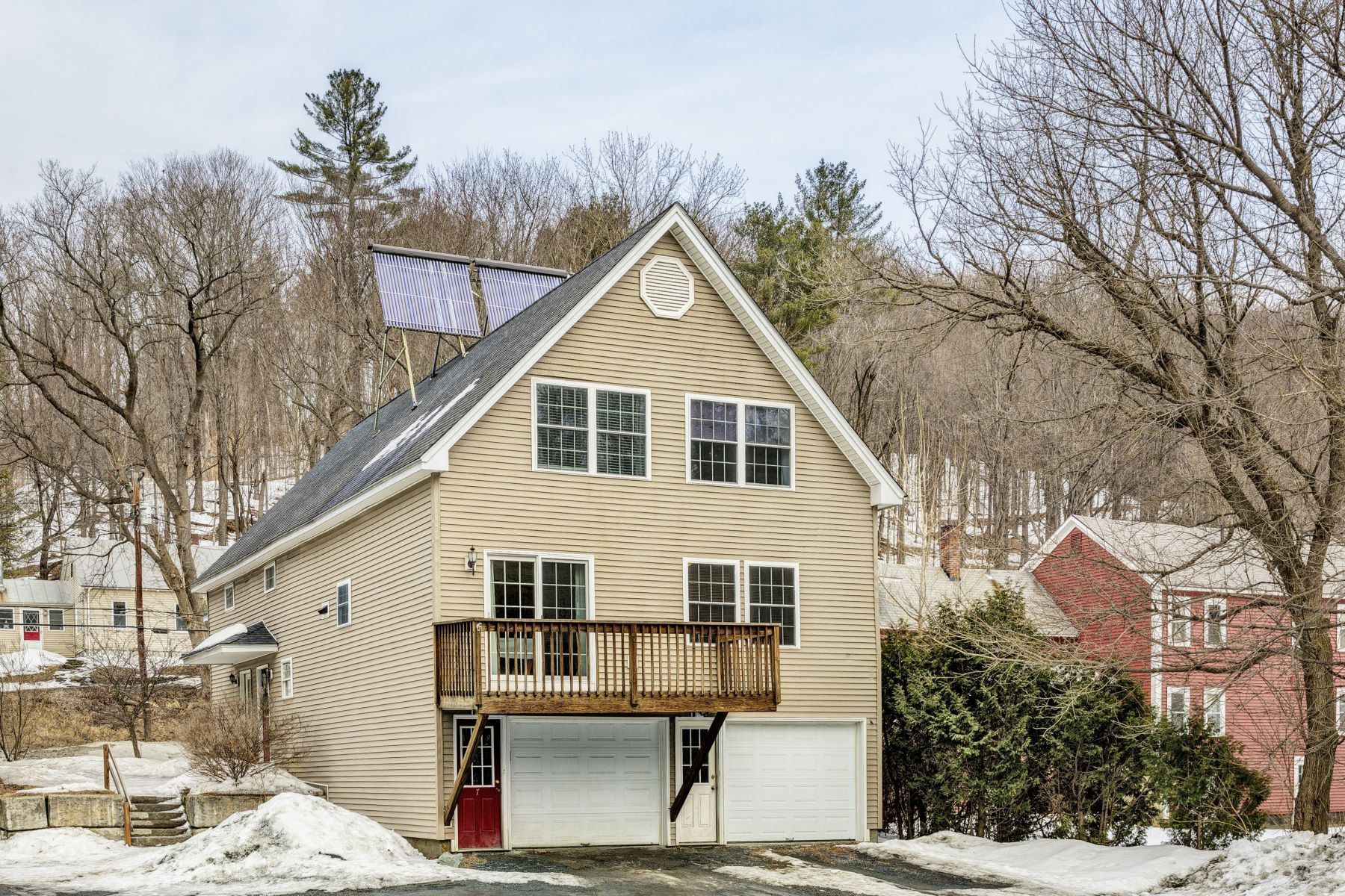 Condominium for Sale at Two Bedroom Condo on the River 1172 Maple St 7 Hartford, Vermont 05001 United States