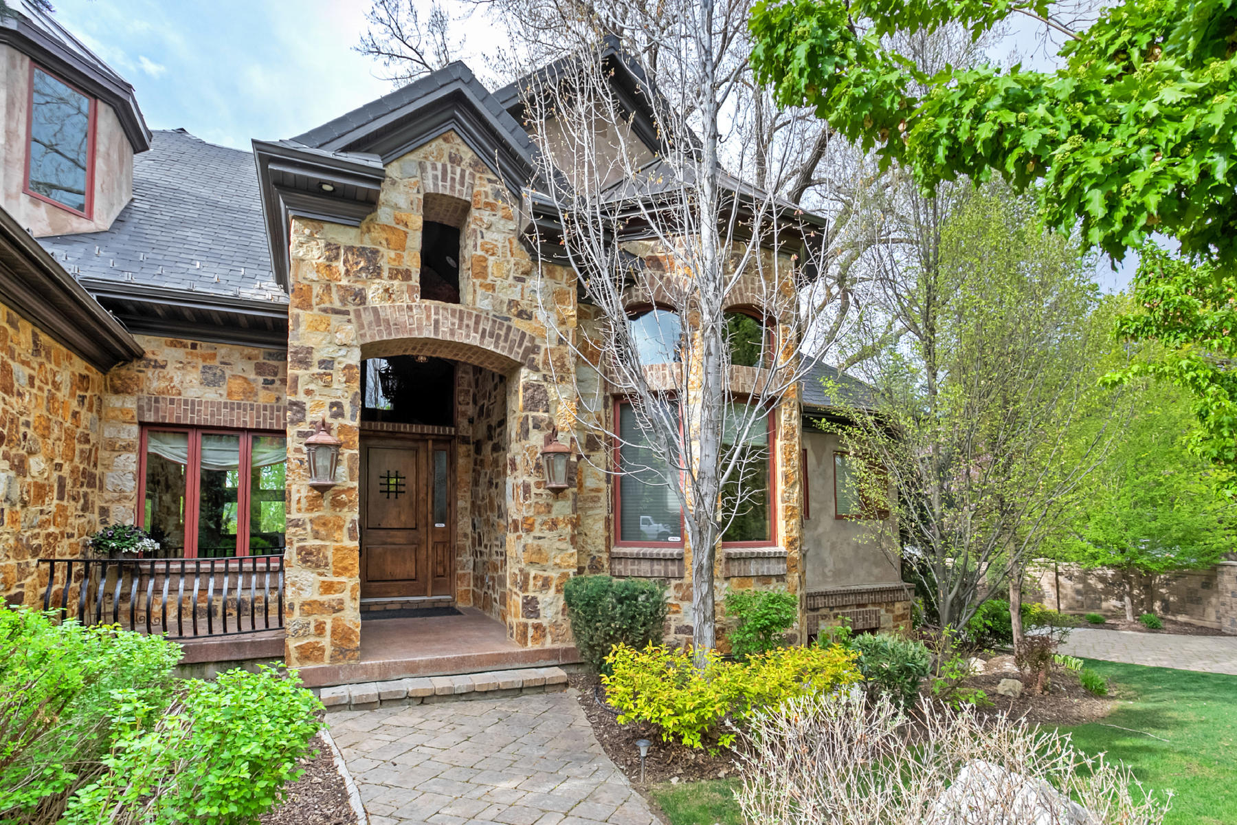 Single Family Home for Sale at Incredible, Secluded Two-Story in Millcreek 2472 Evergreen Ave Salt Lake City, Utah, 84109 United States