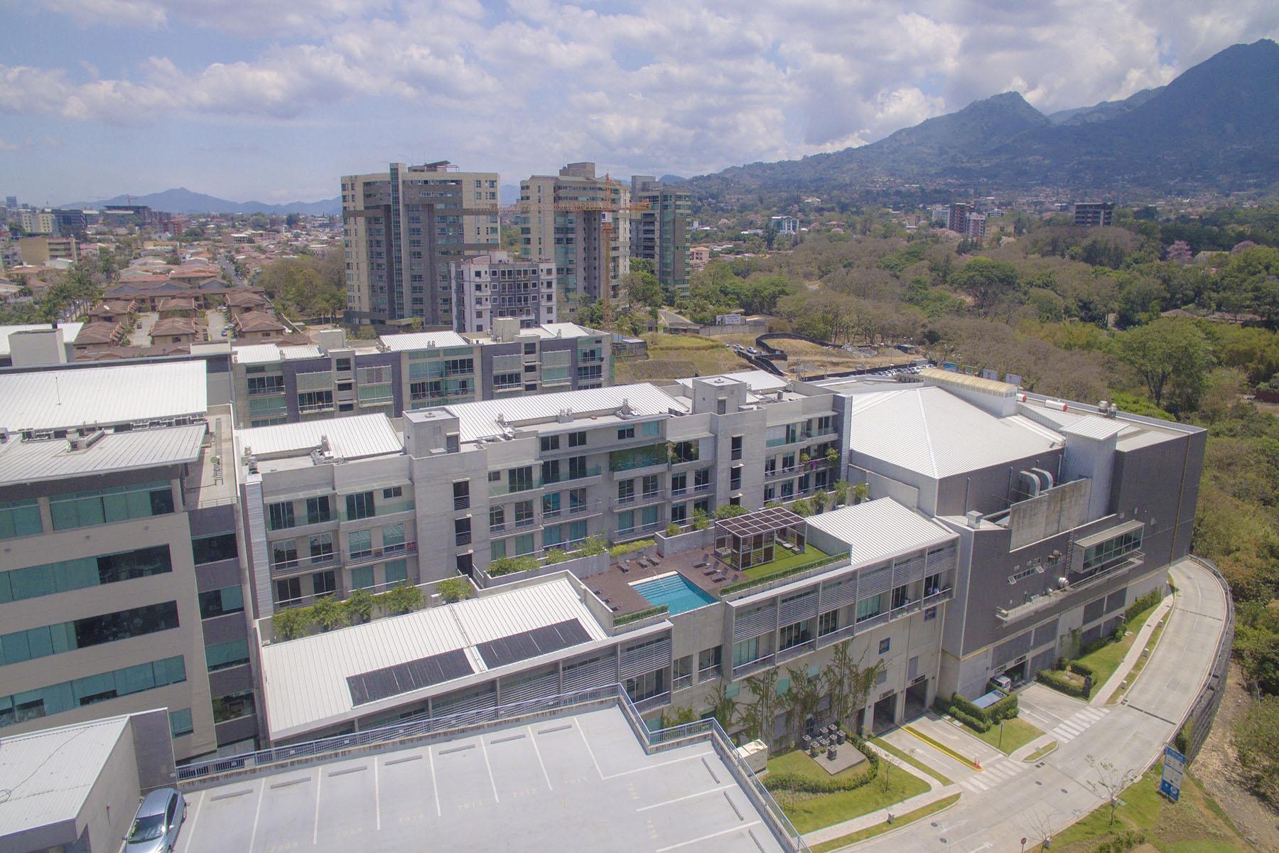 Apartamento por un Venta en Double Story Loft in Escazu Escazu, San Jose, Costa Rica