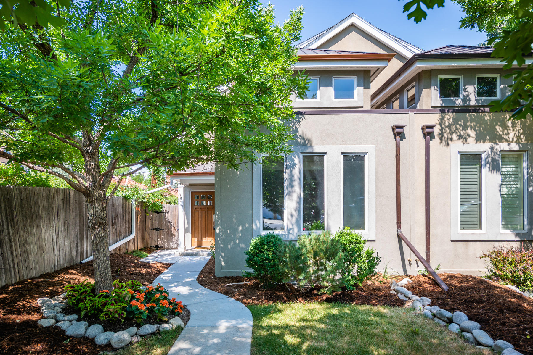 Townhouse for Active at 215 Harrison Street 215 Harrison Street Denver, Colorado 80206 United States