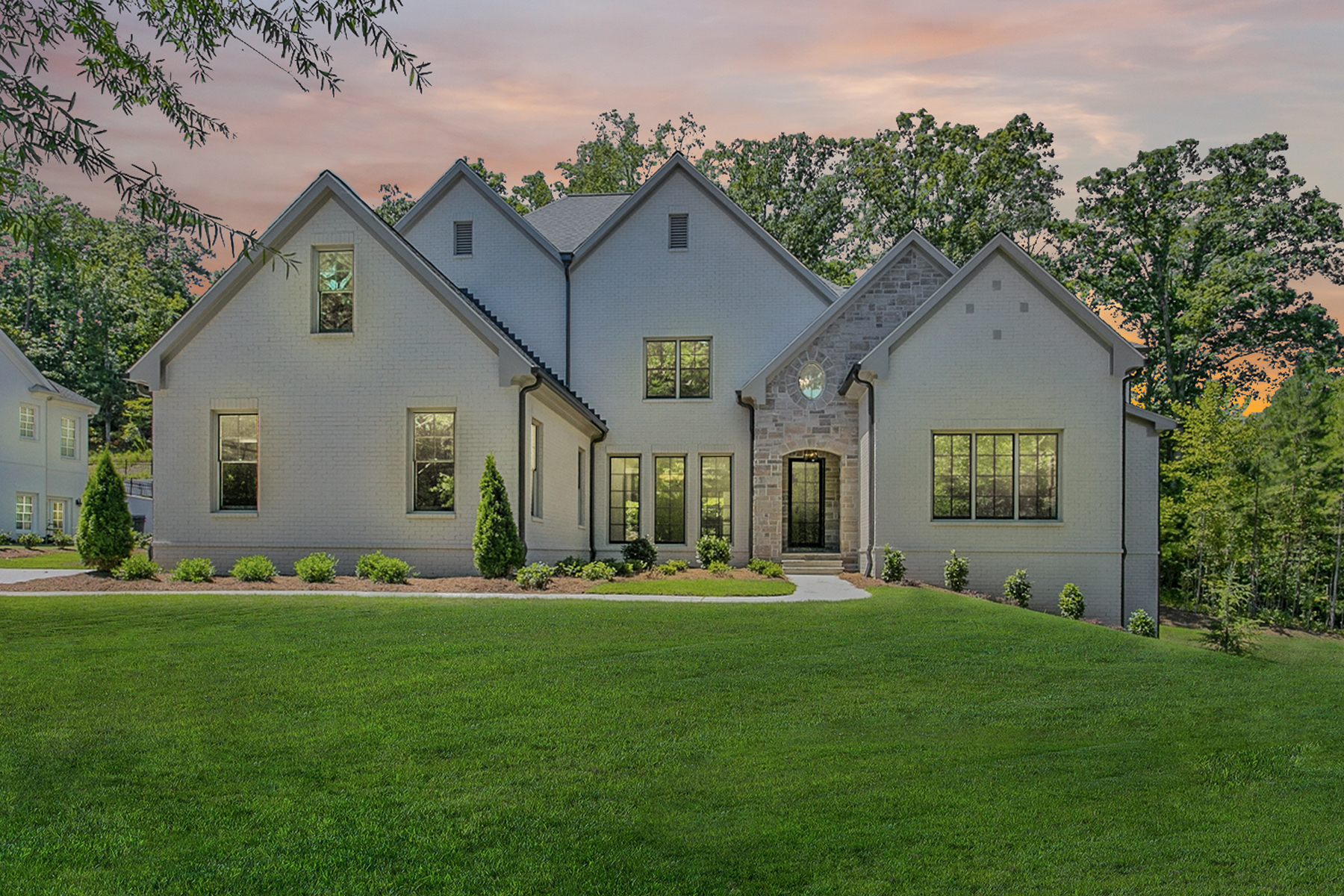 Single Family Homes 为 销售 在 Elegant New Home in Governors Towne Club Blends In-Town Style and Sophistication 4281 Governors Towne Drive NW, 阿德沃斯市, 乔治亚州 30101 美国