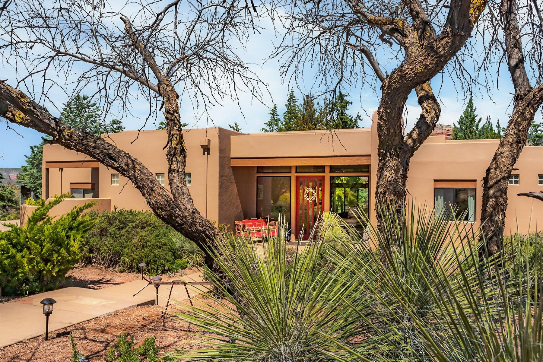Single Family Homes por un Venta en Your Dream Property 134 Horseback Lane Sedona, Arizona 86351 Estados Unidos