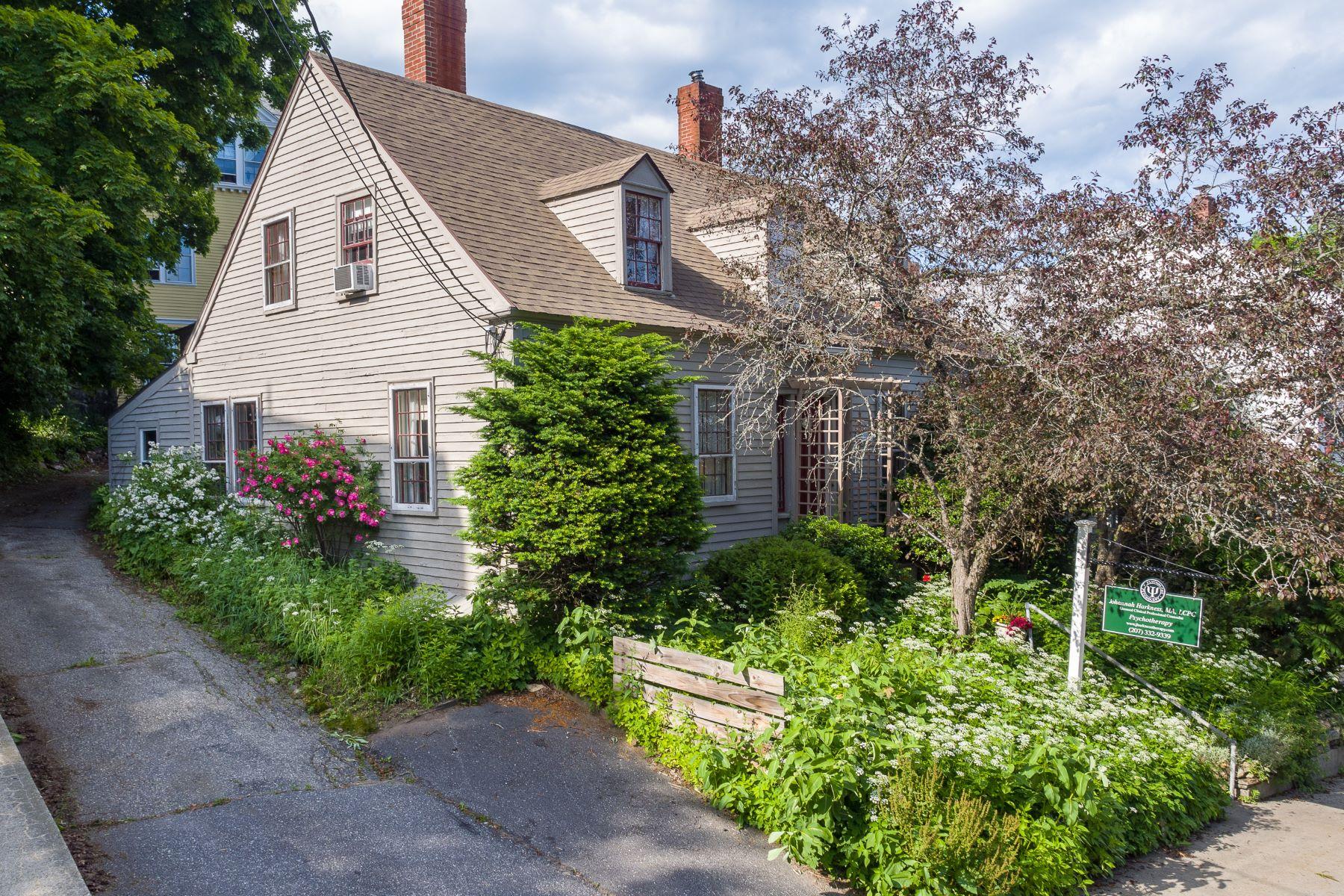 Single Family Homes للـ Sale في Bath, Maine 04530 United States