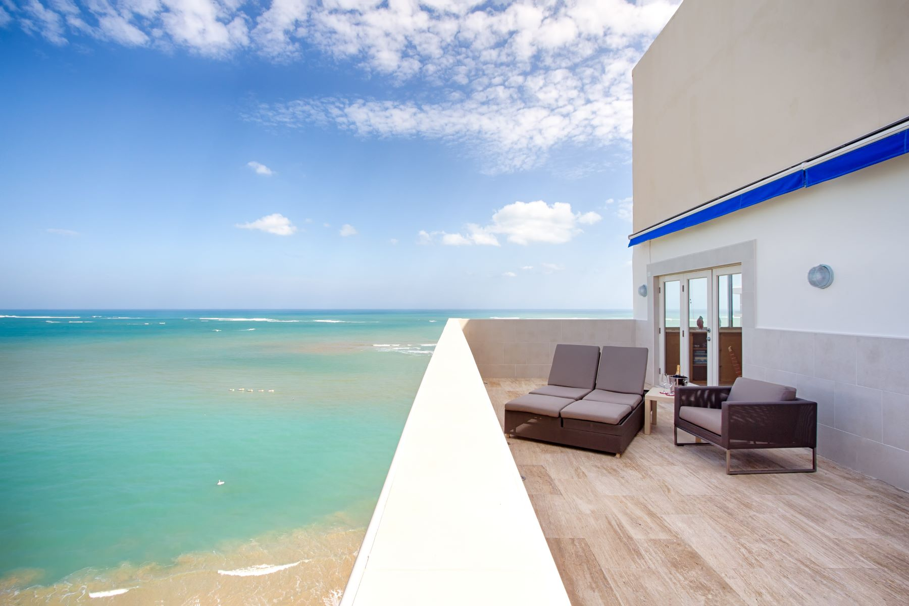 Doppio per Vendita alle ore The Ultimate Beach Penthouse 6165 Isla Verde Ave. PH Carolina, Puerto Rico 00979 Porto Rico