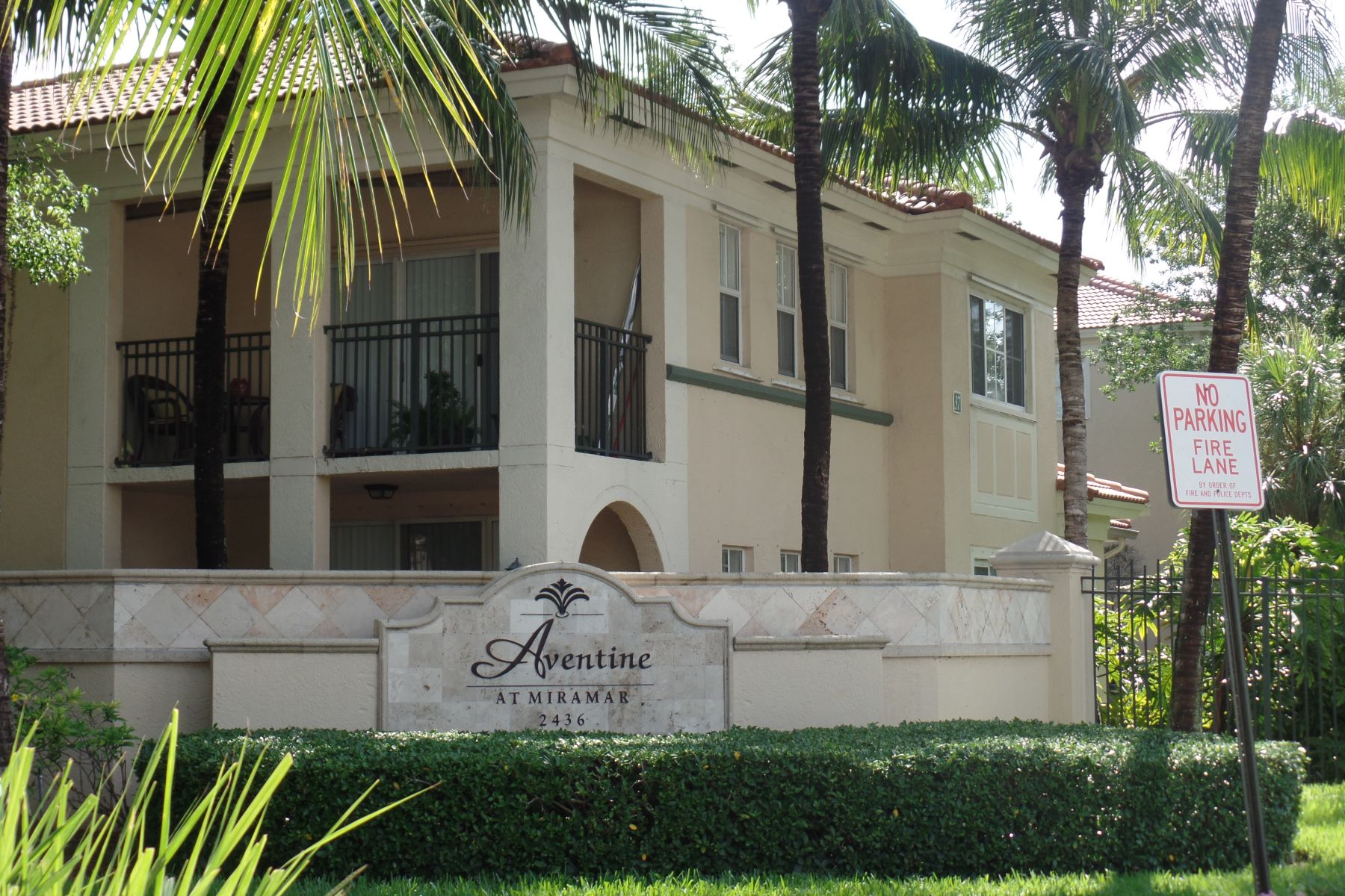 Condominium for Rent at 2548 Centergate Dr. # 107 Miramar, Florida 33025 United States