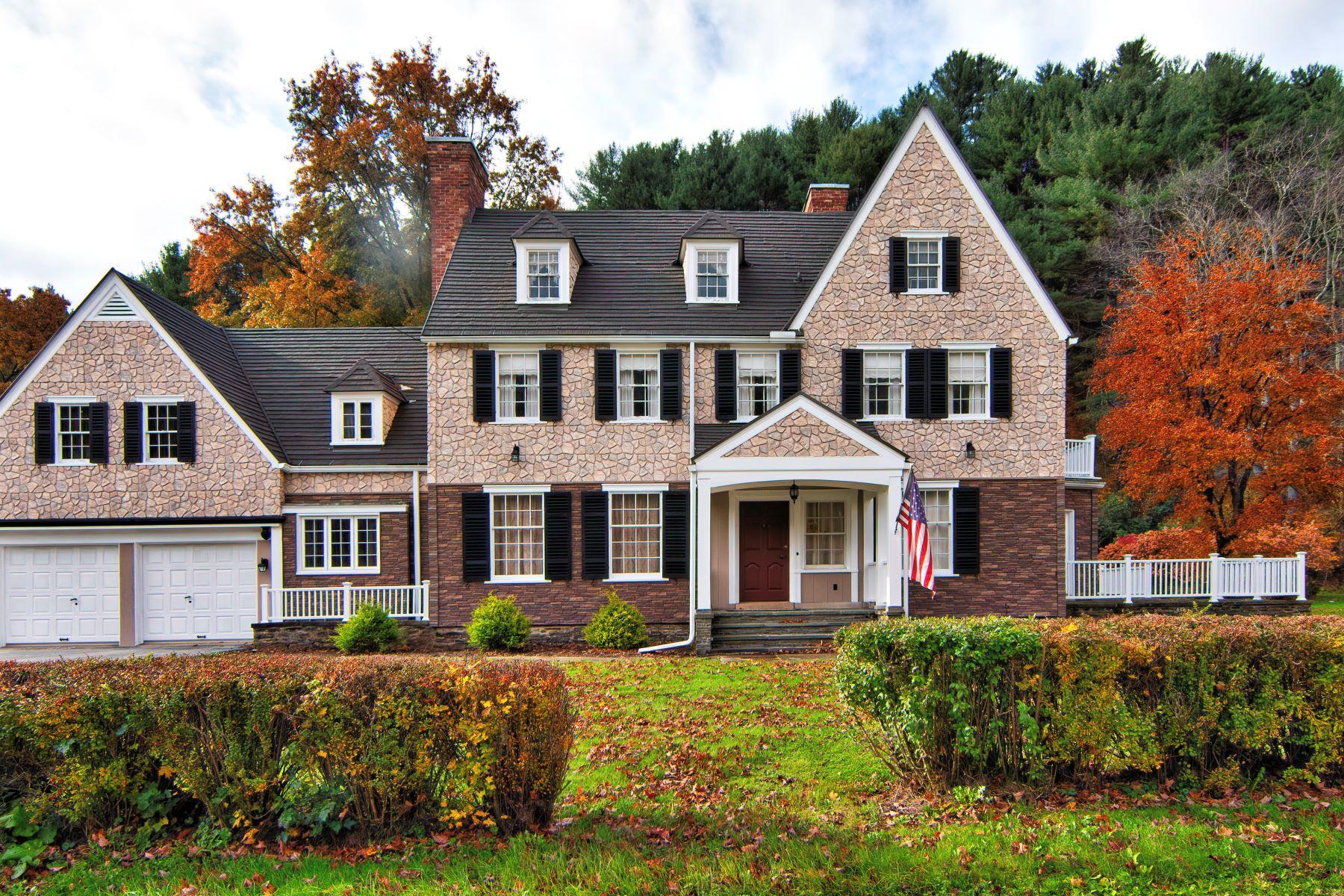 Single Family Homes por un Venta en Emporium House 2611 Rich Valley Road Emporium, Pennsylvania 15834 Estados Unidos