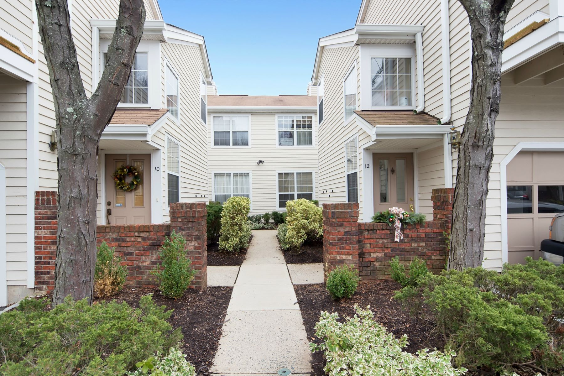 Townhouse for Rent at Beautifully Maintained Townhouse 6 Mallard Lane Bedminster, New Jersey 07921 United States