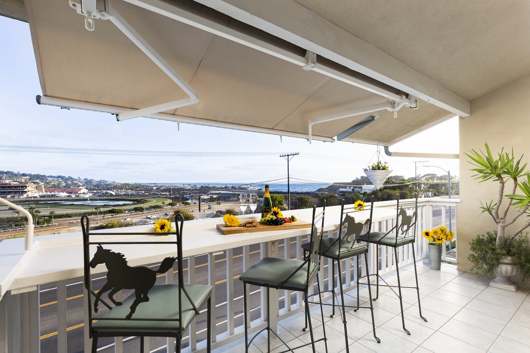 Condominiums for Sale at 227 Turf View Dr Solana Beach, California 92075 United States