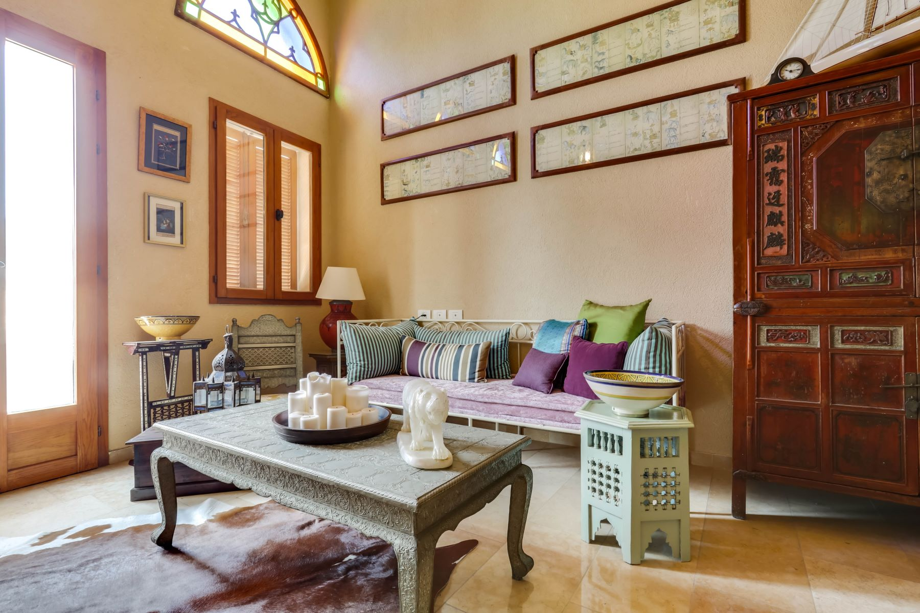 Additional photo for property listing at Enduring Luxury Boutique Old Jaffa Apartment Jaffa, Israel Israël