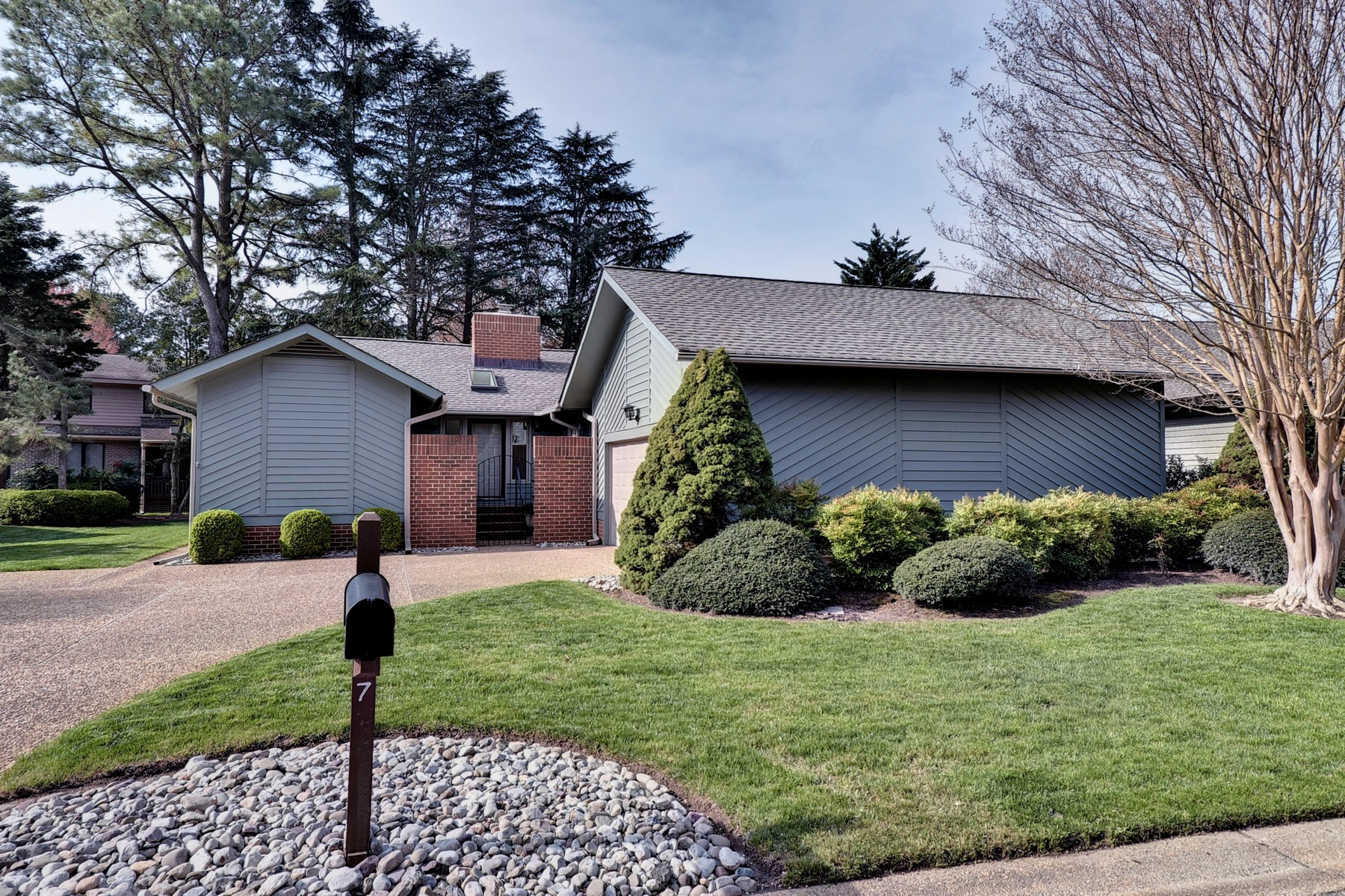 Single Family Home for Sale at 7 Yeardleys Grant, Kingsmill, Williamsburg 7 Yeardleys Grant Williamsburg, Virginia 23185 United States