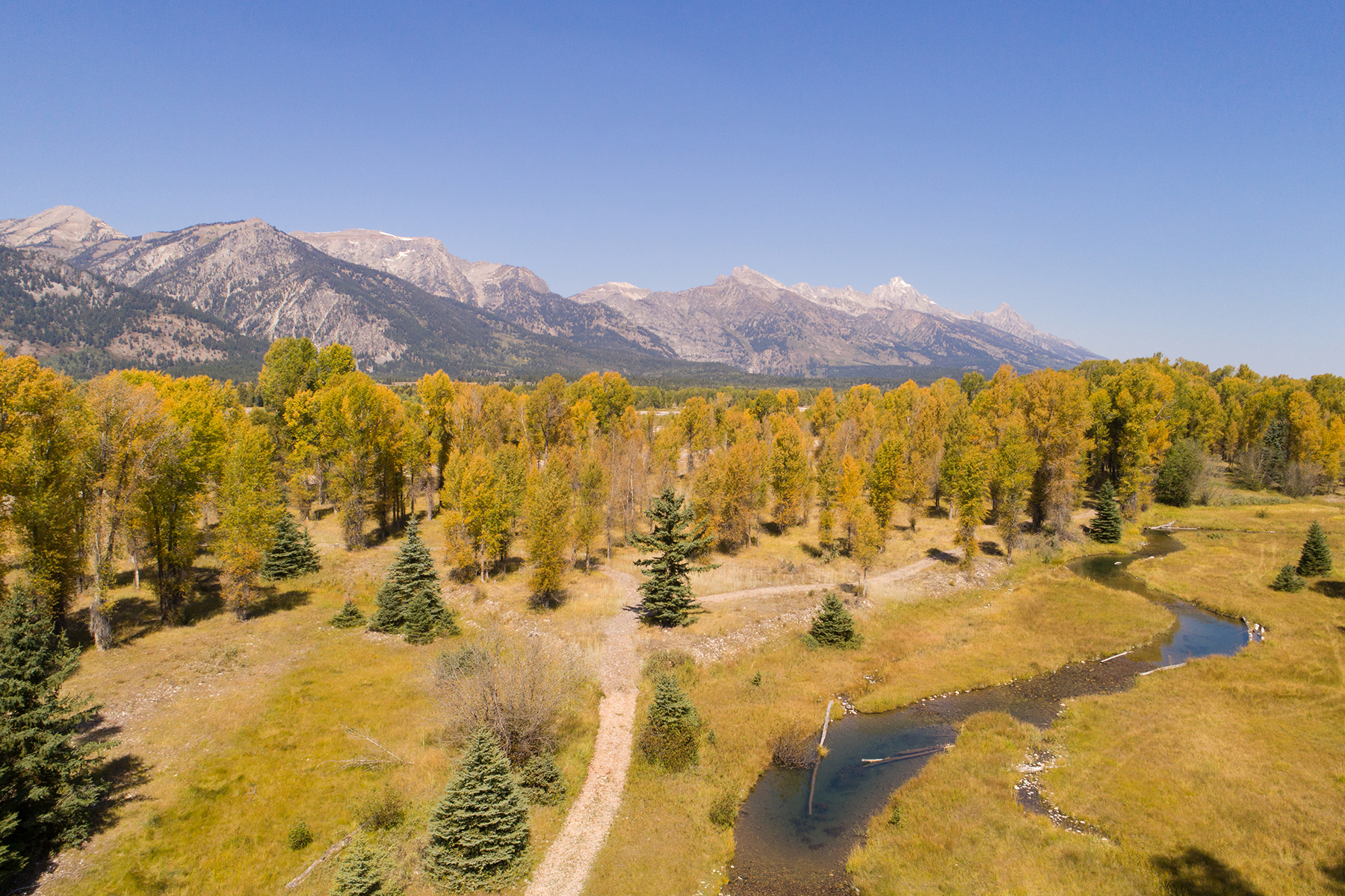 Additional photo for property listing at  Jackson, Wyoming 83001 Stati Uniti