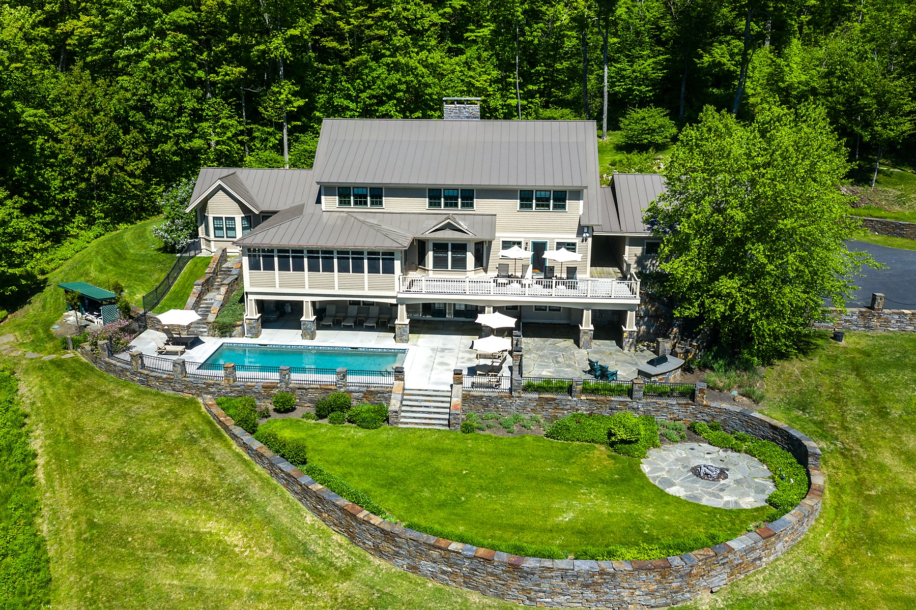 Single Family Homes for Sale at Elegance & Sophistication 165 Bennington Lane Quechee, Vermont 05059 United States