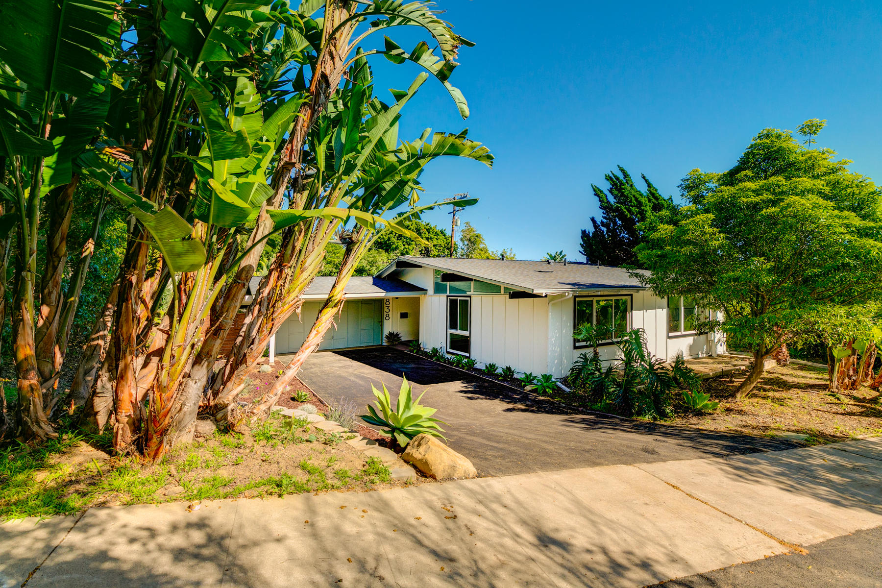Single Family Homes for Active at 838 Meigs Road Santa Barbara, California 93109 United States