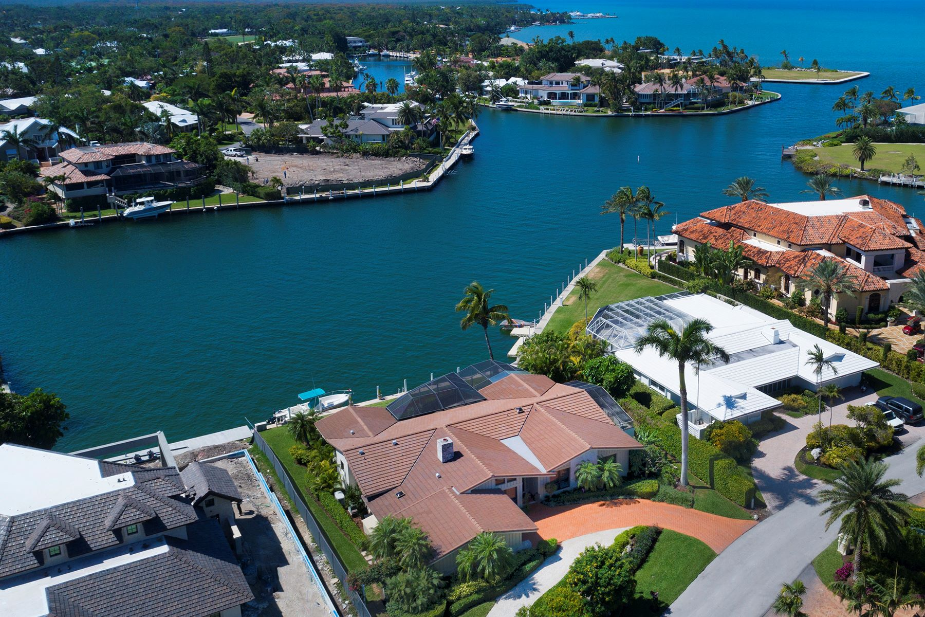 Single Family Home for Sale at Timeless Canalfront Home at Ocean Reef 3 Knoll Lane, Ocean Reef Community, Key Largo, Florida, 33037 United States