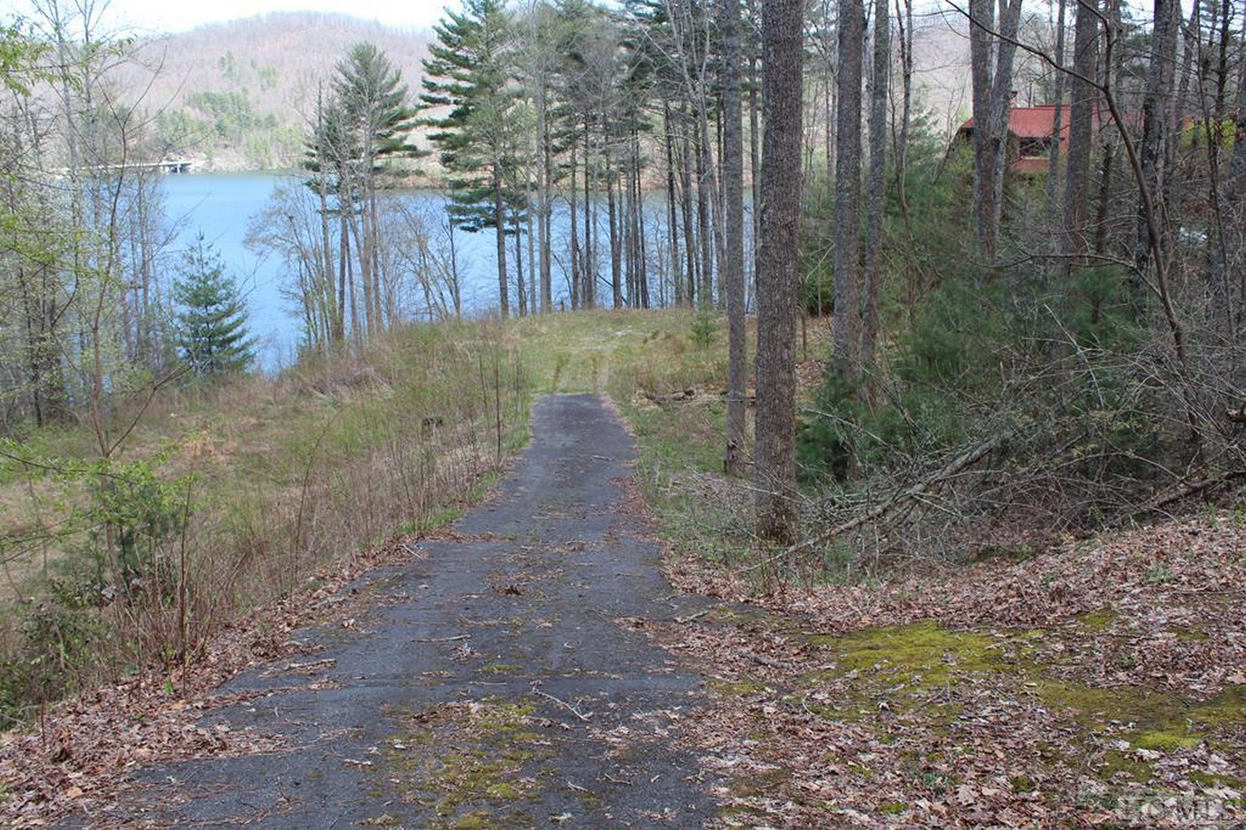 Land for Active at TBD South Woods Mountain Trail Cullowhee, North Carolina 28723 United States
