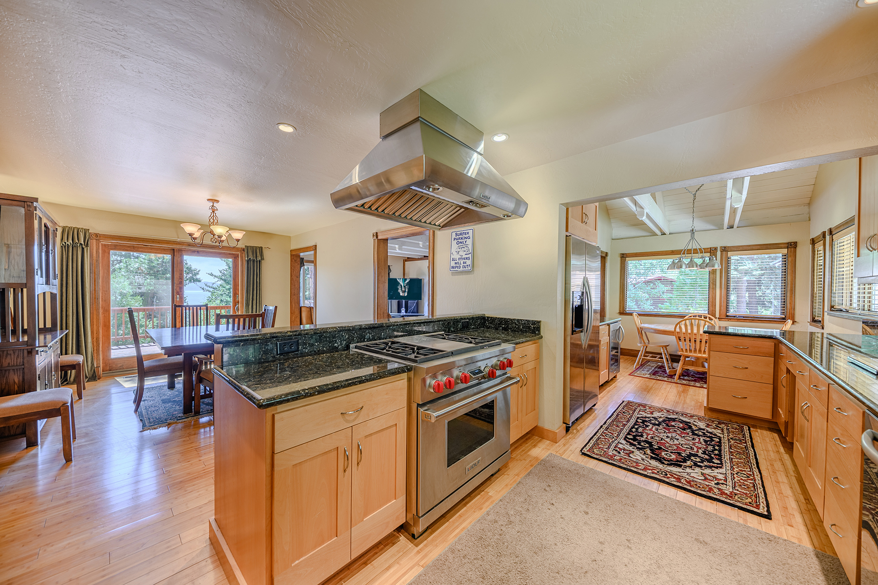 Additional photo for property listing at 301 Wild Rose Drive, Tahoe Vista, CA 96148 301 Wild Rose Drive 塔霍湖, 加利福尼亚州 96145 美国