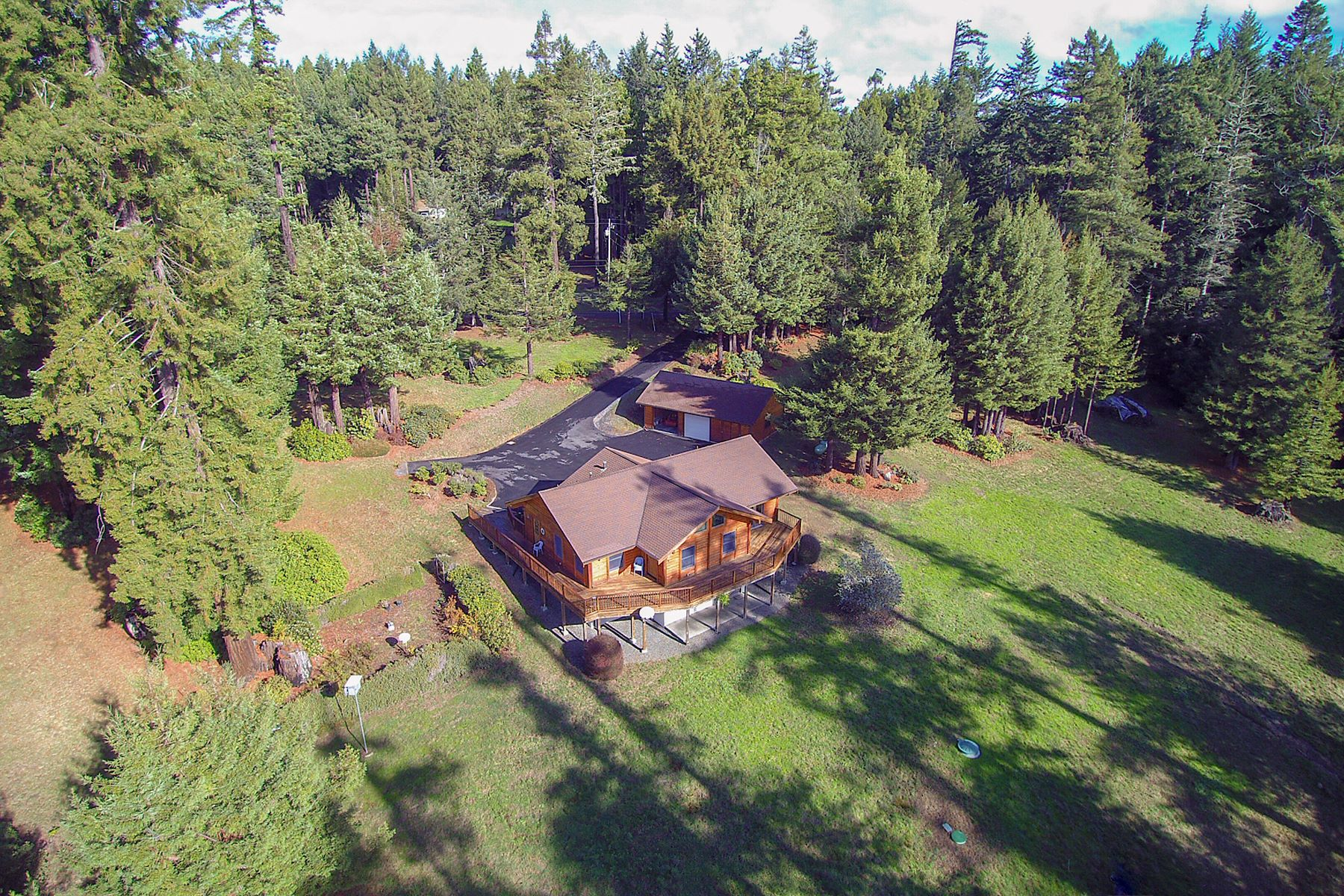 Single Family Home for Sale at Savor The Country Life 32001 Little Valley Road Fort Bragg, California 95468 United States