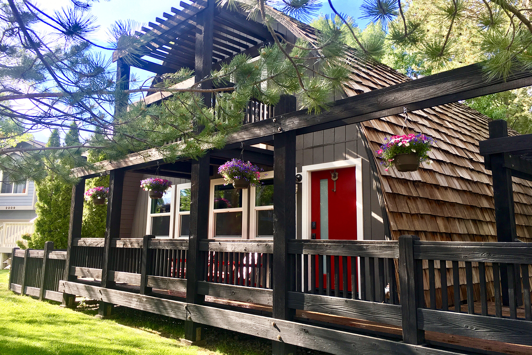 Single Family Home for Active at 728 Tuolumne Drive, South Lake Tahoe, CA 96150 728 Tuolumne South Lake Tahoe, California 96150 United States