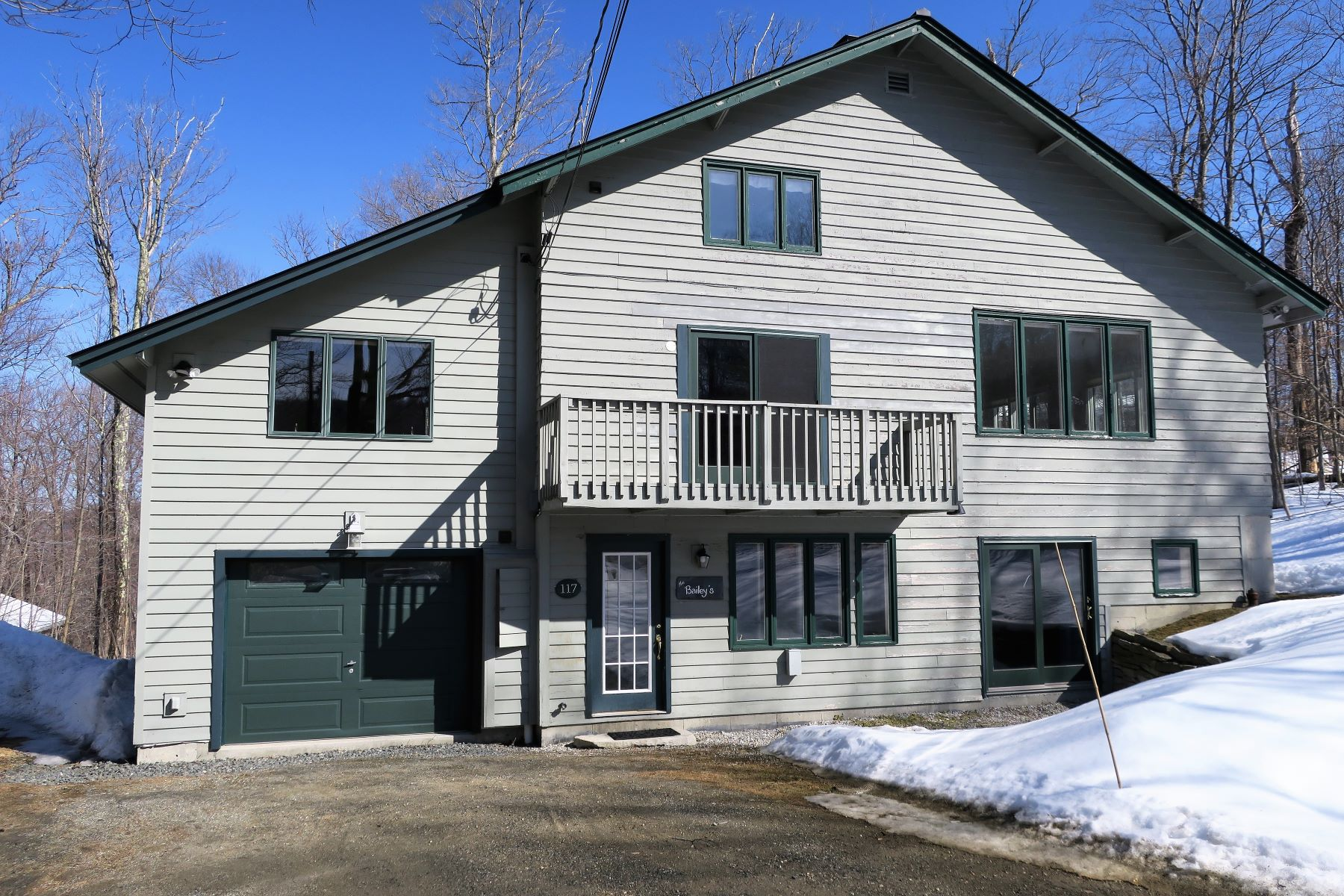 Single Family Homes for Sale at 7 East Round Road Winhall, Vermont 05340 United States