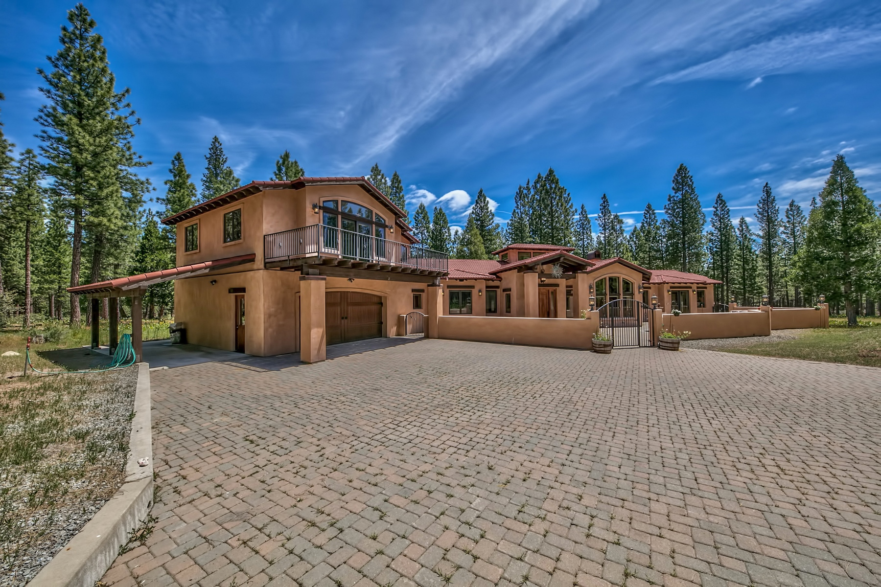 Single Family Homes 为 销售 在 105 Aspen Court, Calpine Ca 96124 105 Aspen Court Calpine, 加利福尼亚州 96124 美国