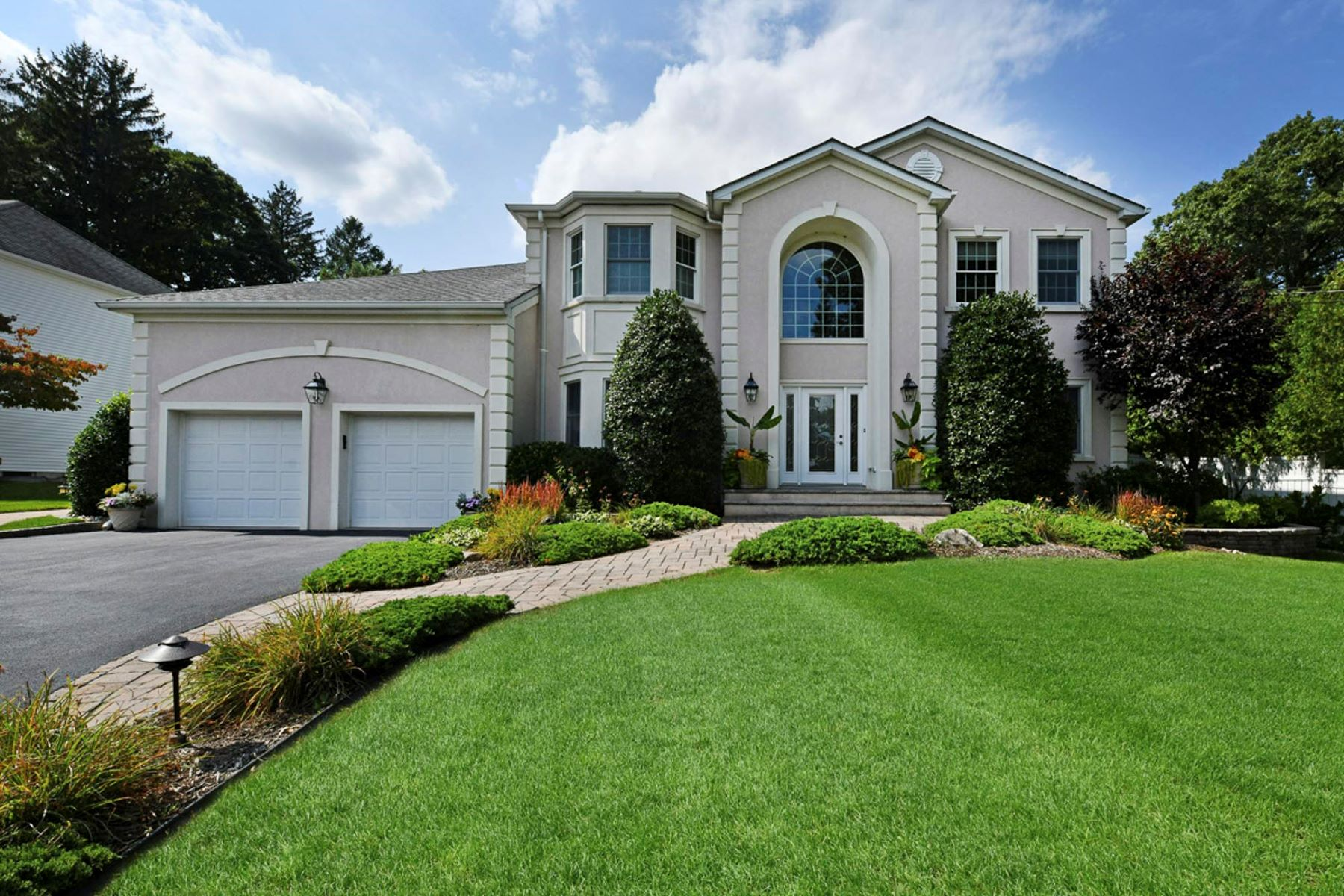 Single Family Homes for Sale at Exquisite Home 570 Van Emburgh Ave Township Of Washington, New Jersey 07676 United States