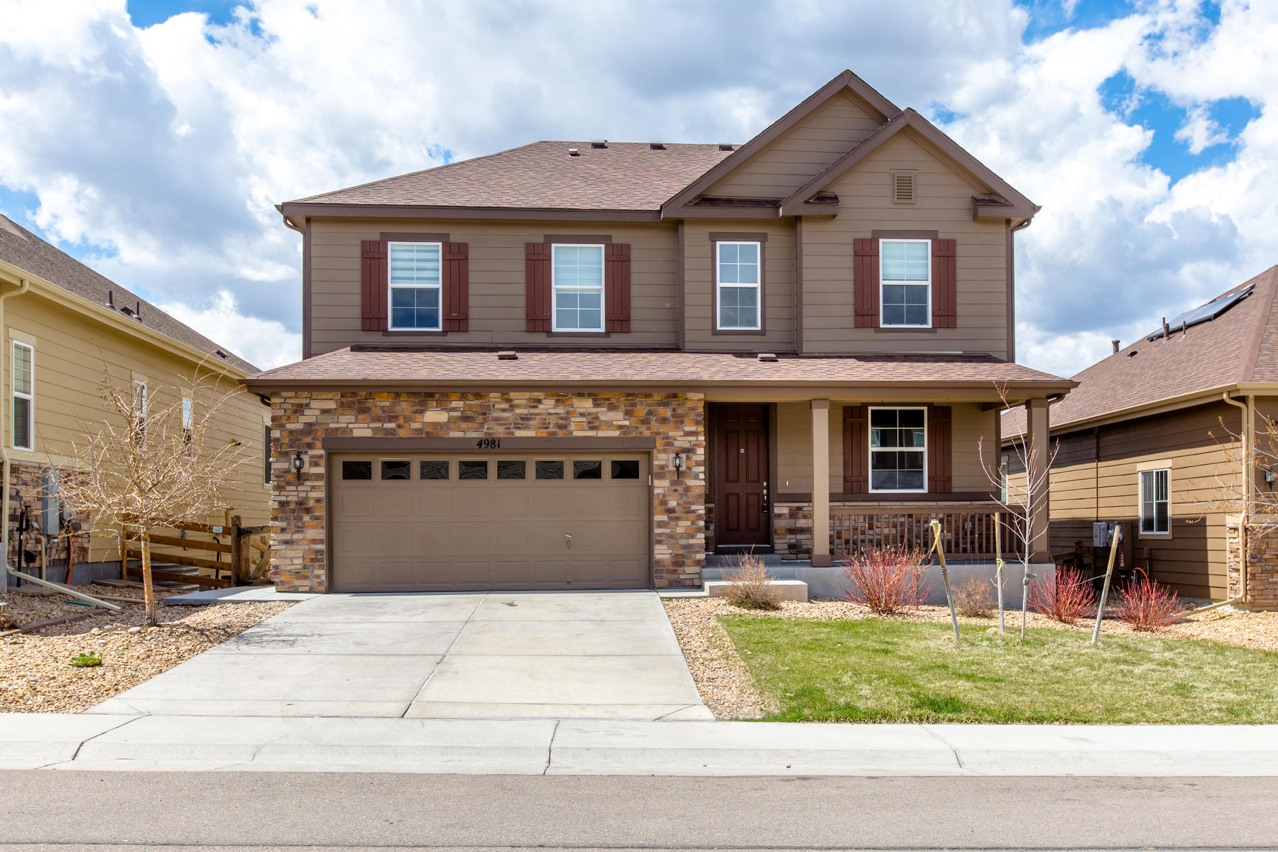 Single Family Homes for Sale at Located in the highly sought after Ponderosa section of Copperleaf. 4981 S Versailles Circle, Aurora, Colorado 80015 United States