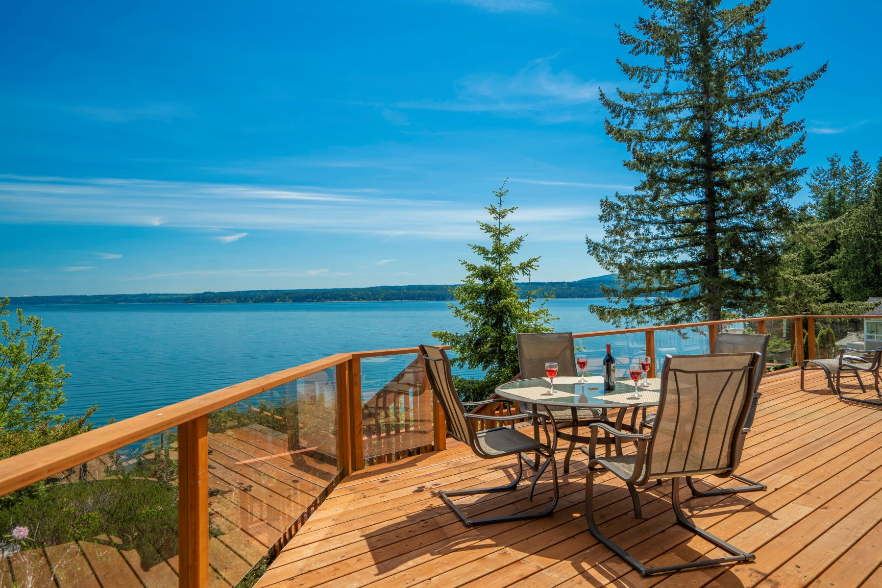 Single Family Homes for Sale at Hood Canal Beach Front 250 Rhododendron Lane Brinnon, Washington 98320 United States