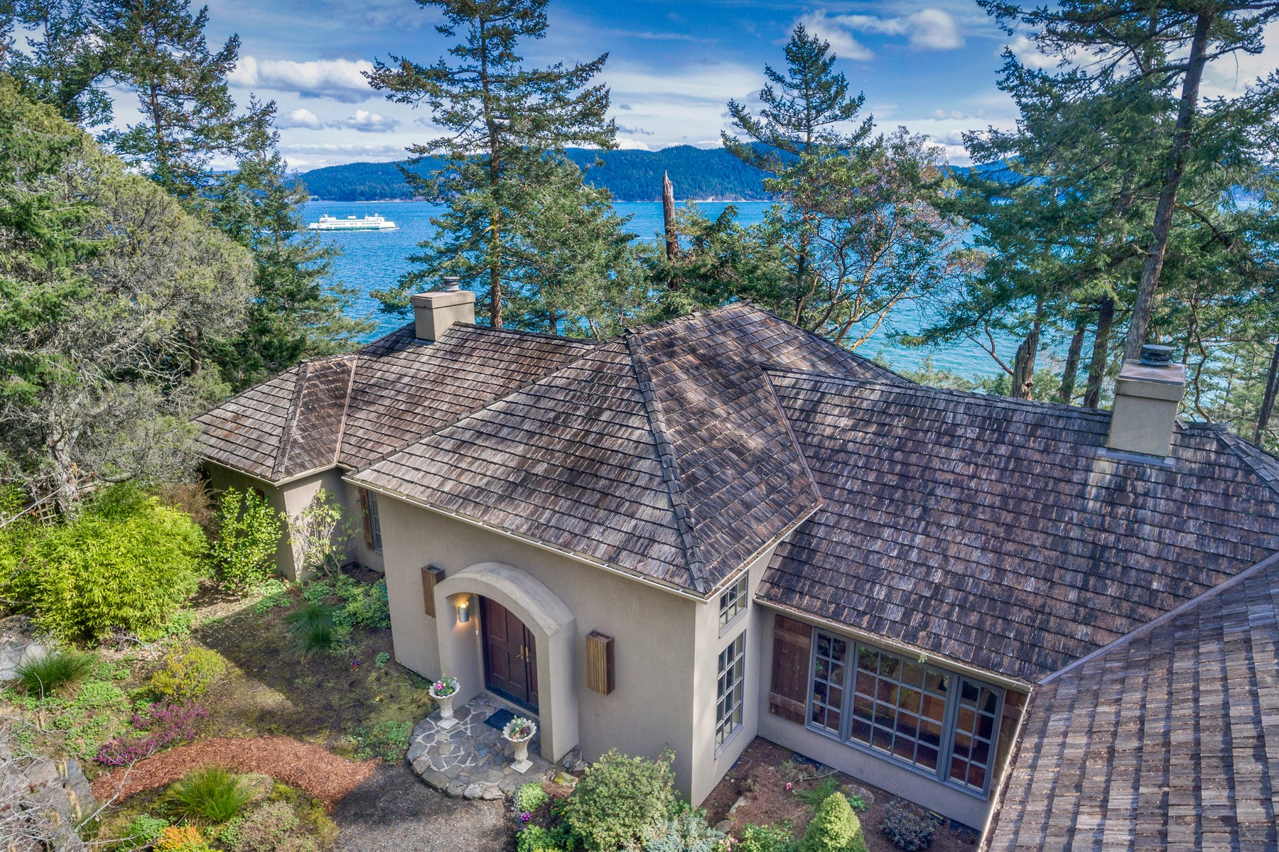 Casa Unifamiliar por un Venta en Beautiful Waterfront Home on Lopez Island 688 Shoreland Drive Lopez Island, Washington, 98261 Estados Unidos